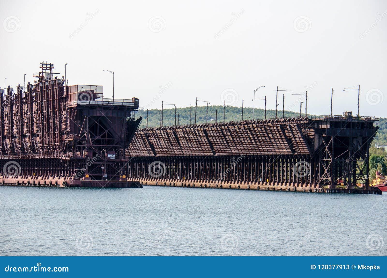 Le minerai s accouple dans deux ports Minnesota le long du lac Supérieur