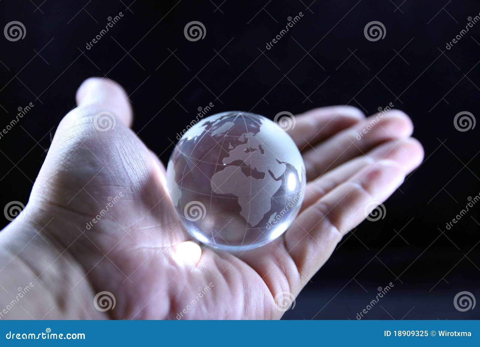 Le monde entier dans des mes mains