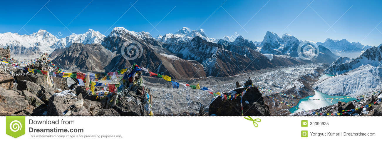 le mont everest et l 39 himalaya comme vu de gokyo ri image stock image du altitude panoramique. Black Bedroom Furniture Sets. Home Design Ideas