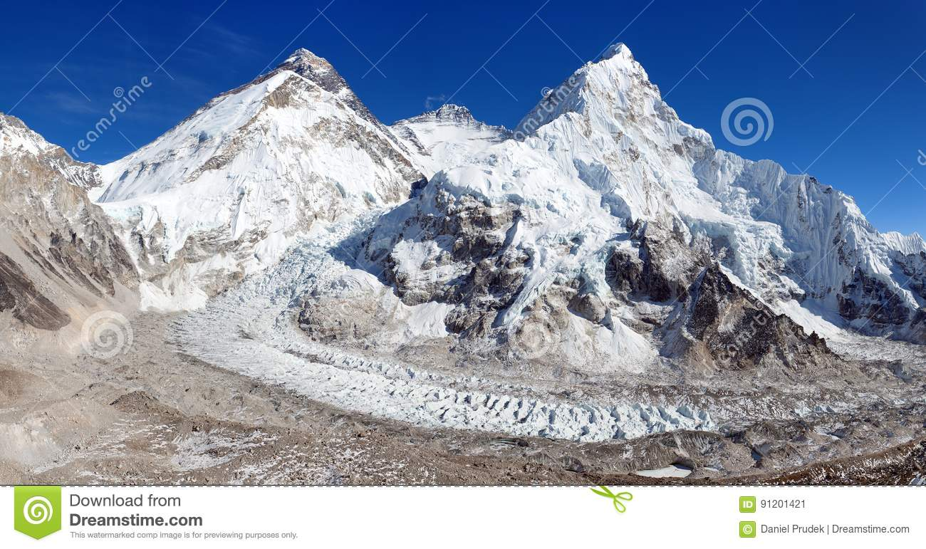 le mont everest lhotse et nuptse image stock image du visage himalaya 91201421. Black Bedroom Furniture Sets. Home Design Ideas
