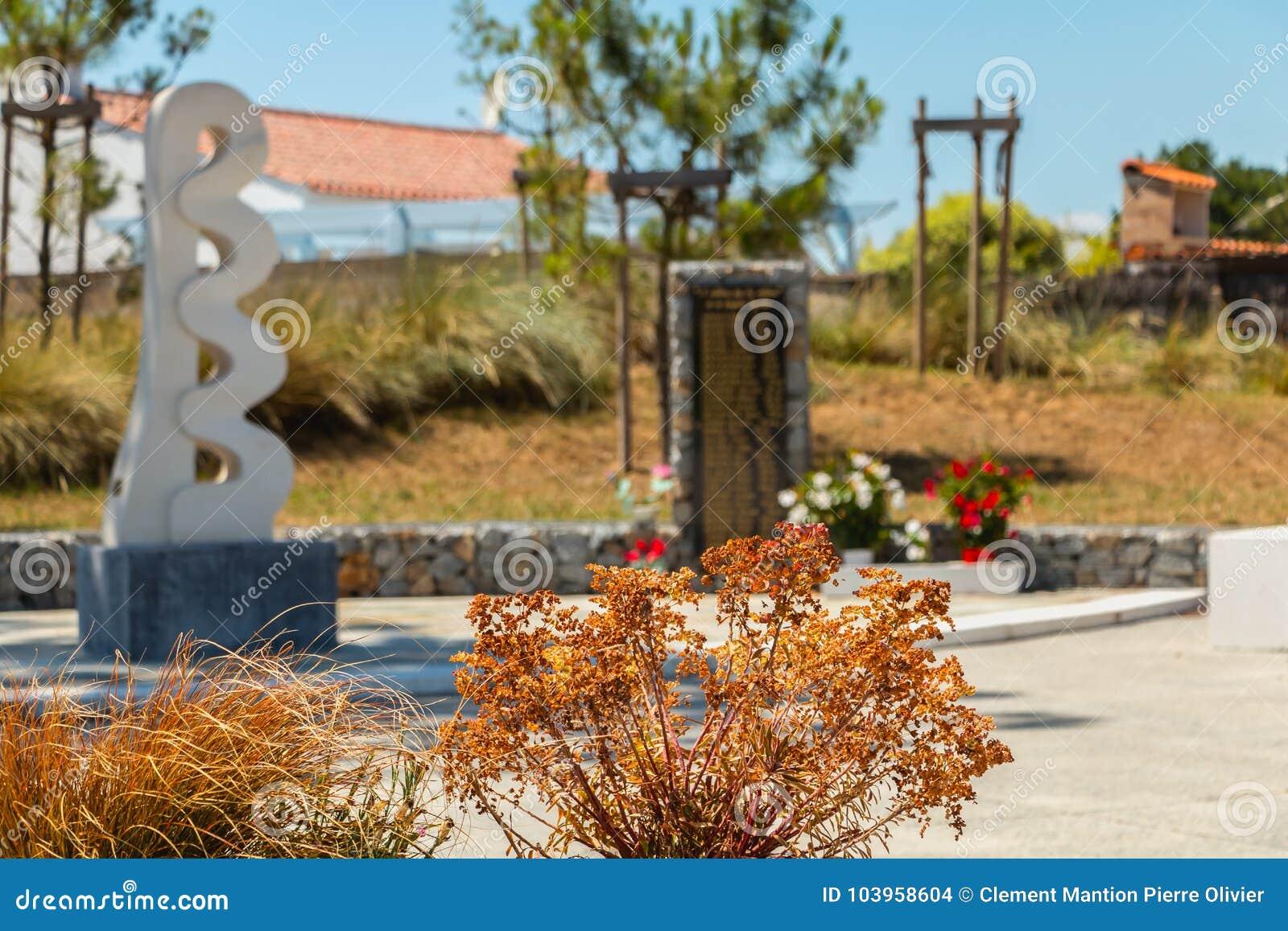 6595fdcefb2e1 LA FAUTE SUR MER   FRANCES - 6 juillet 2016   le monument pour la mémoire  des 29 victimes qui sont mortes en le 28 février 2010 suivant l immersion  marine a ...