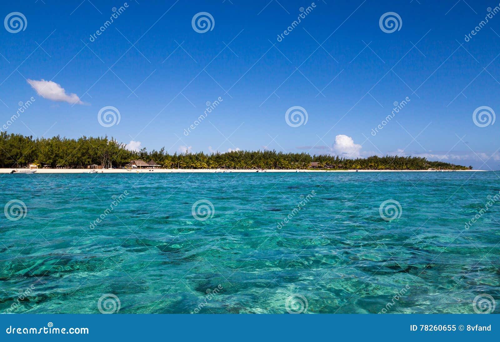 LE Morne Μαυρίκιος με τη θάλασσα πανοραμική