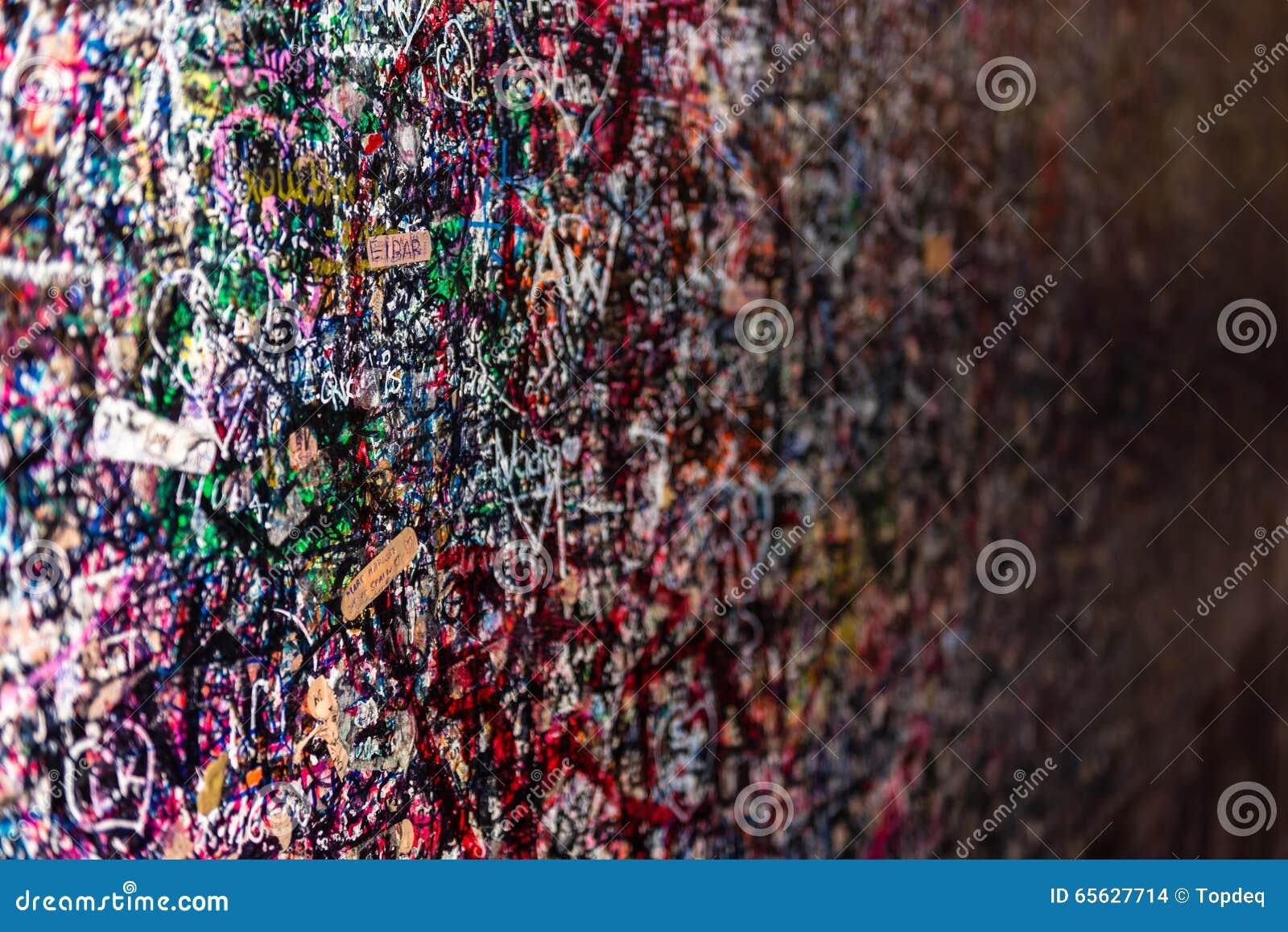 Le mur complètement des messages, Vérone, Italie