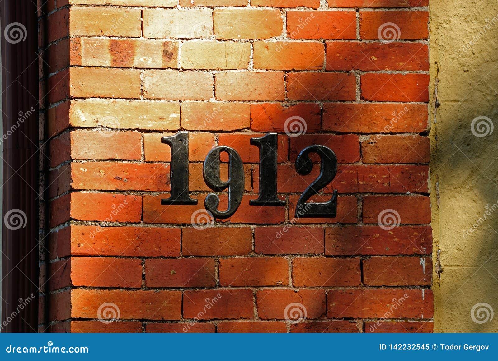 Le mur numéroté d une vieille maison plus de 100 années