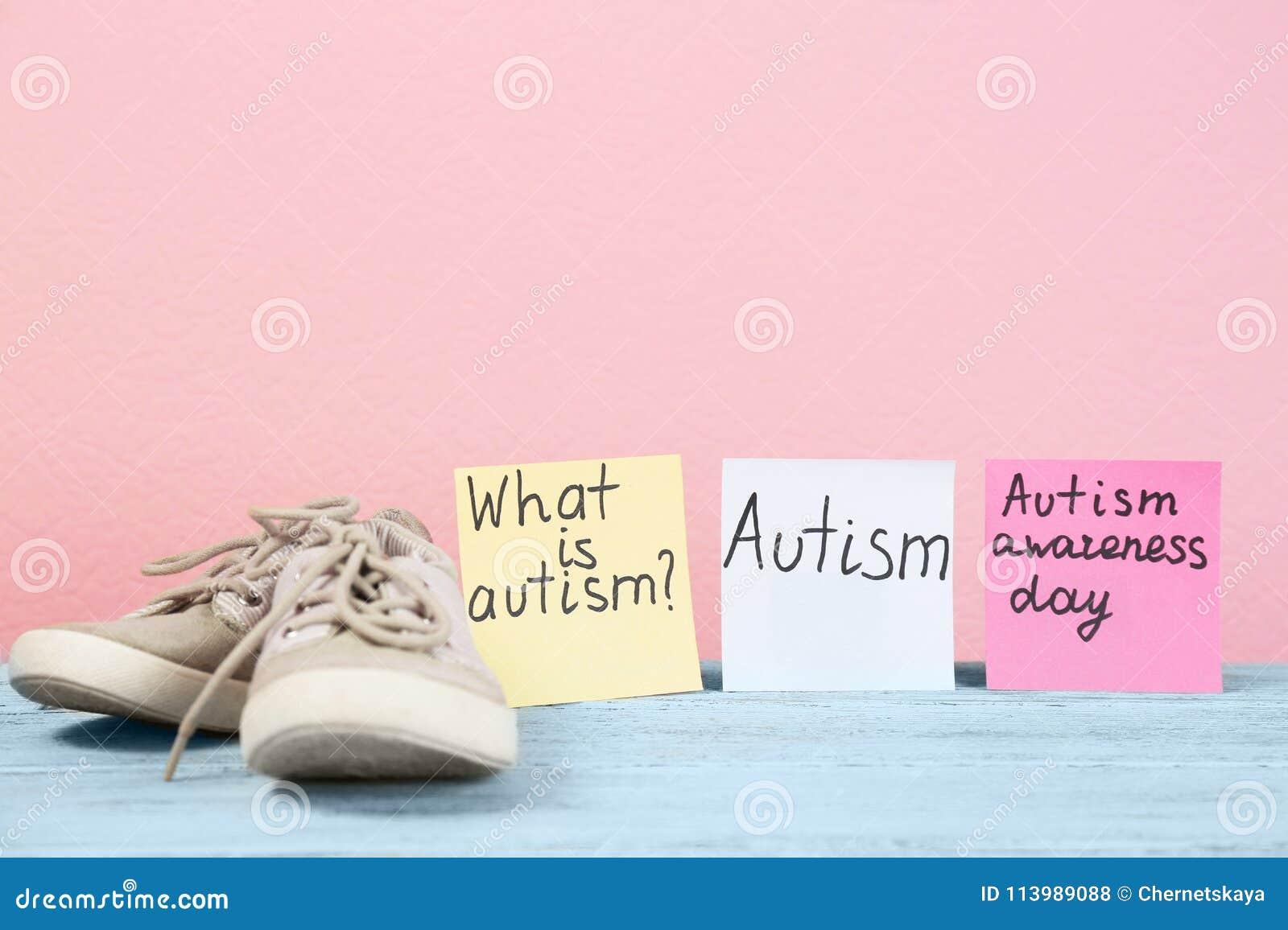 Frasi Note.Le Note Con Autismo Hanno Collegato Le Frasi E Gli Istruttori Del