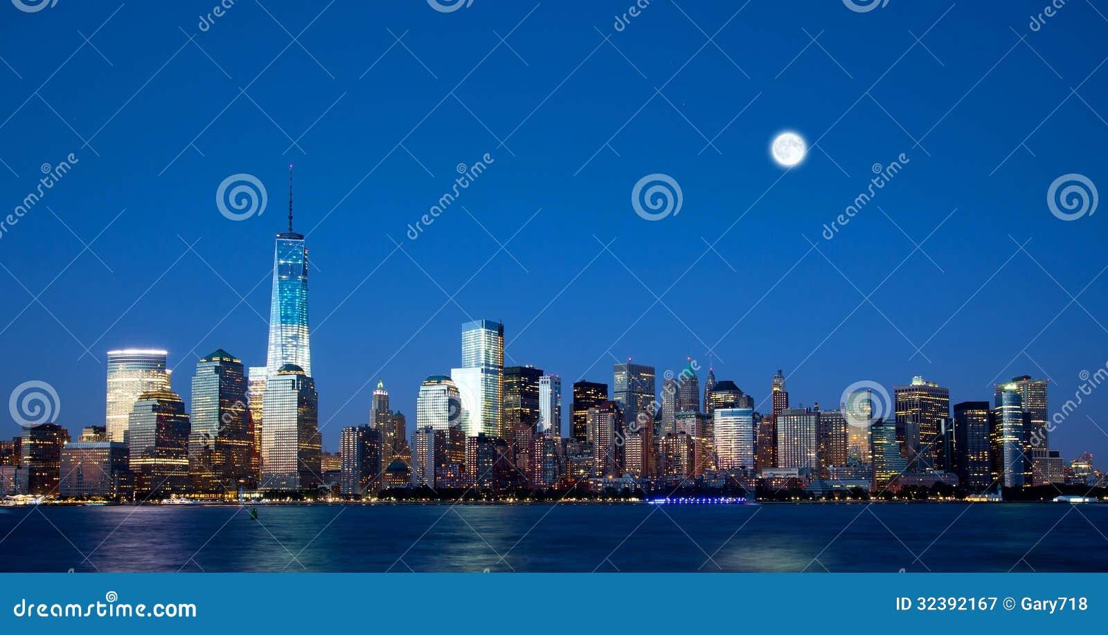 Le nouvel horizon de Freedom Tower et de Lower Manhattan
