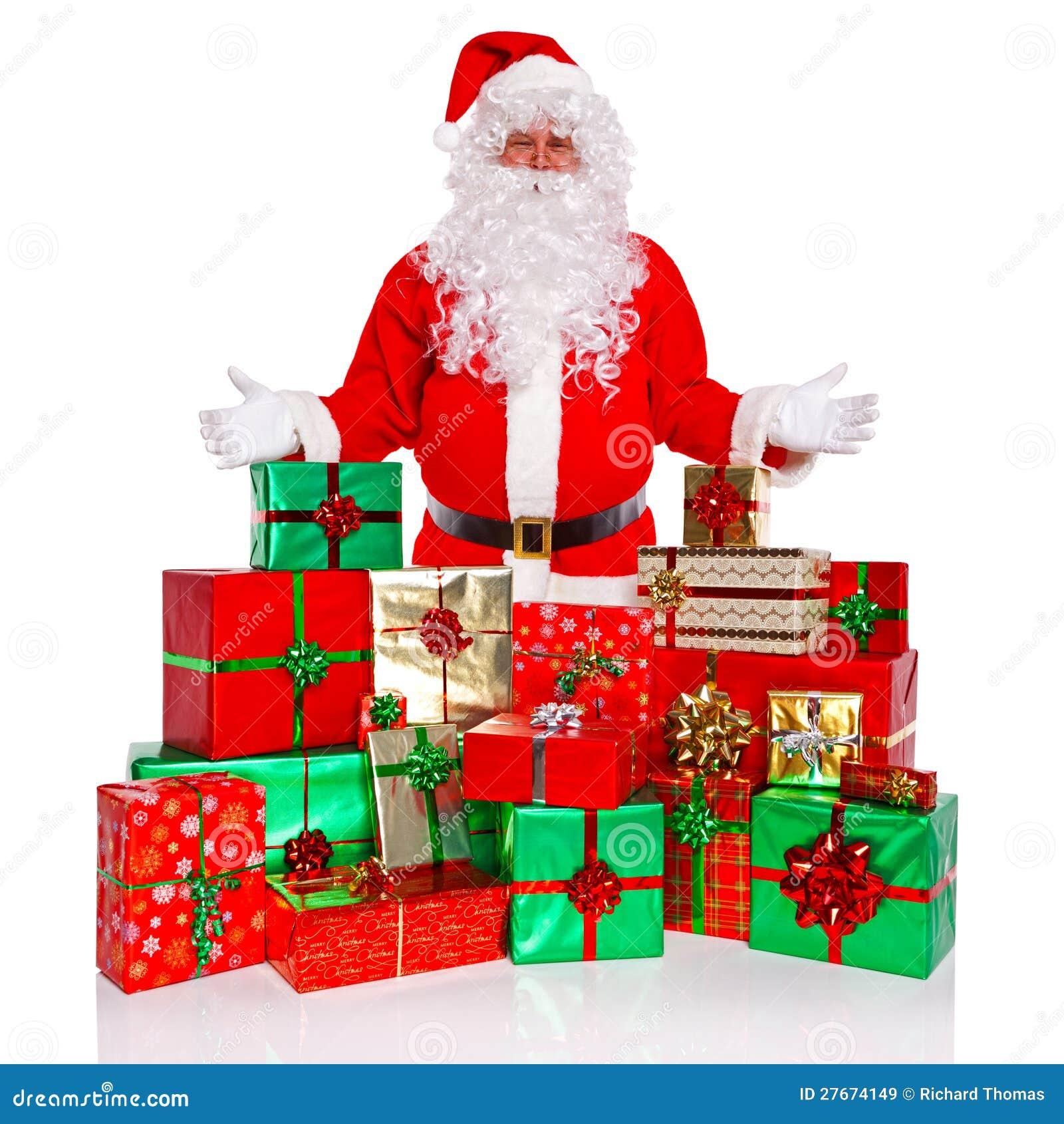 Le père noël avec les présents enveloppés par cadeau