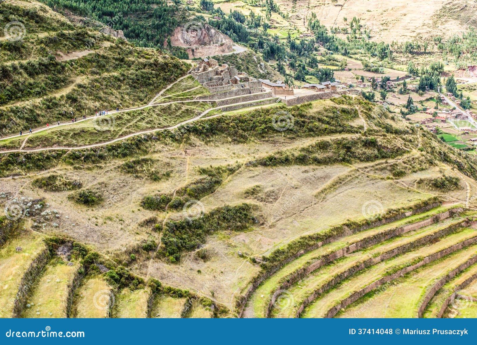 Le Pérou, Pisac (Pisaq) - ruines d Inca dans la vallée sacrée dans les Andes péruviens