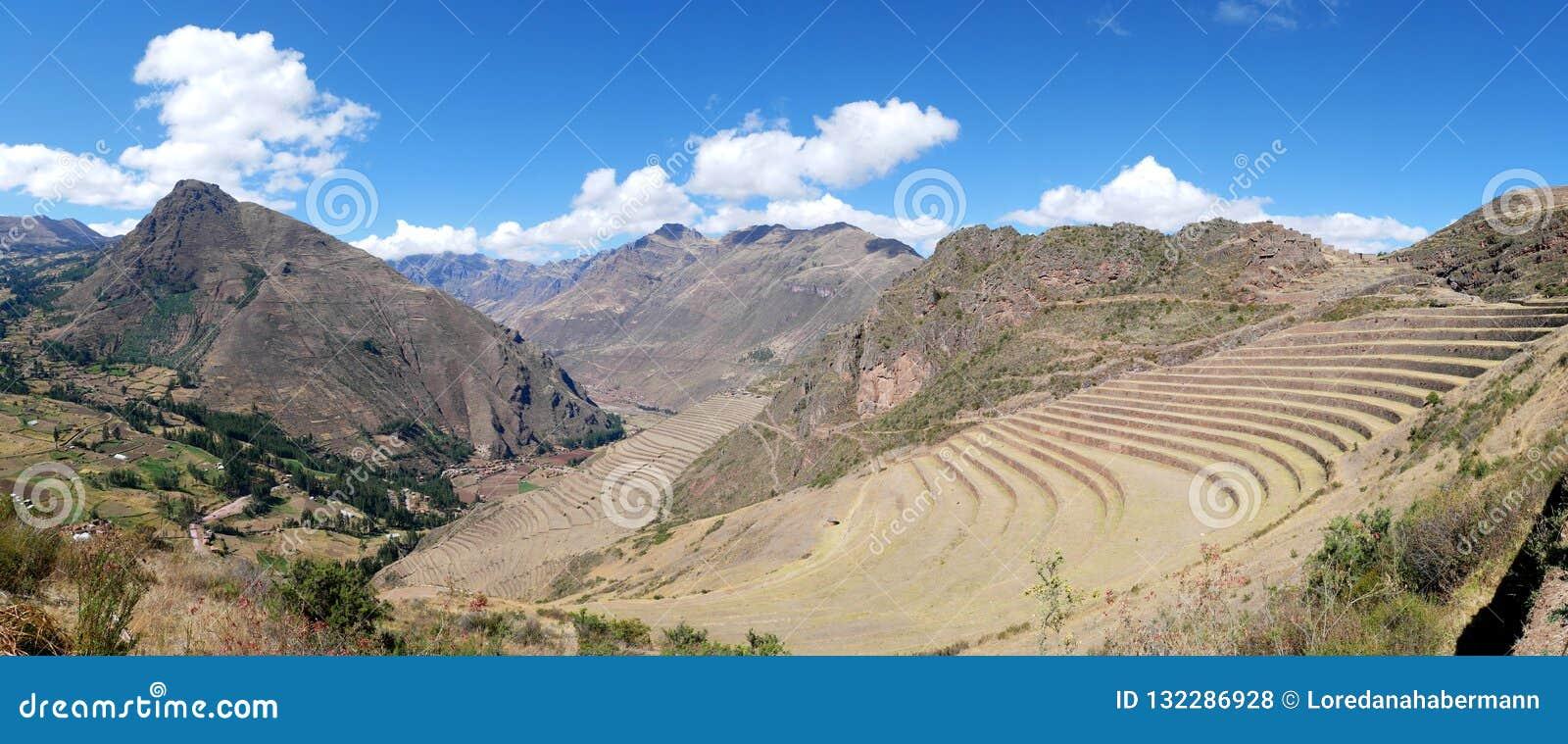 Le Pérou, Pisac Pisaq - ruines d Inca dans la vallée sacrée dans les Andes péruviens