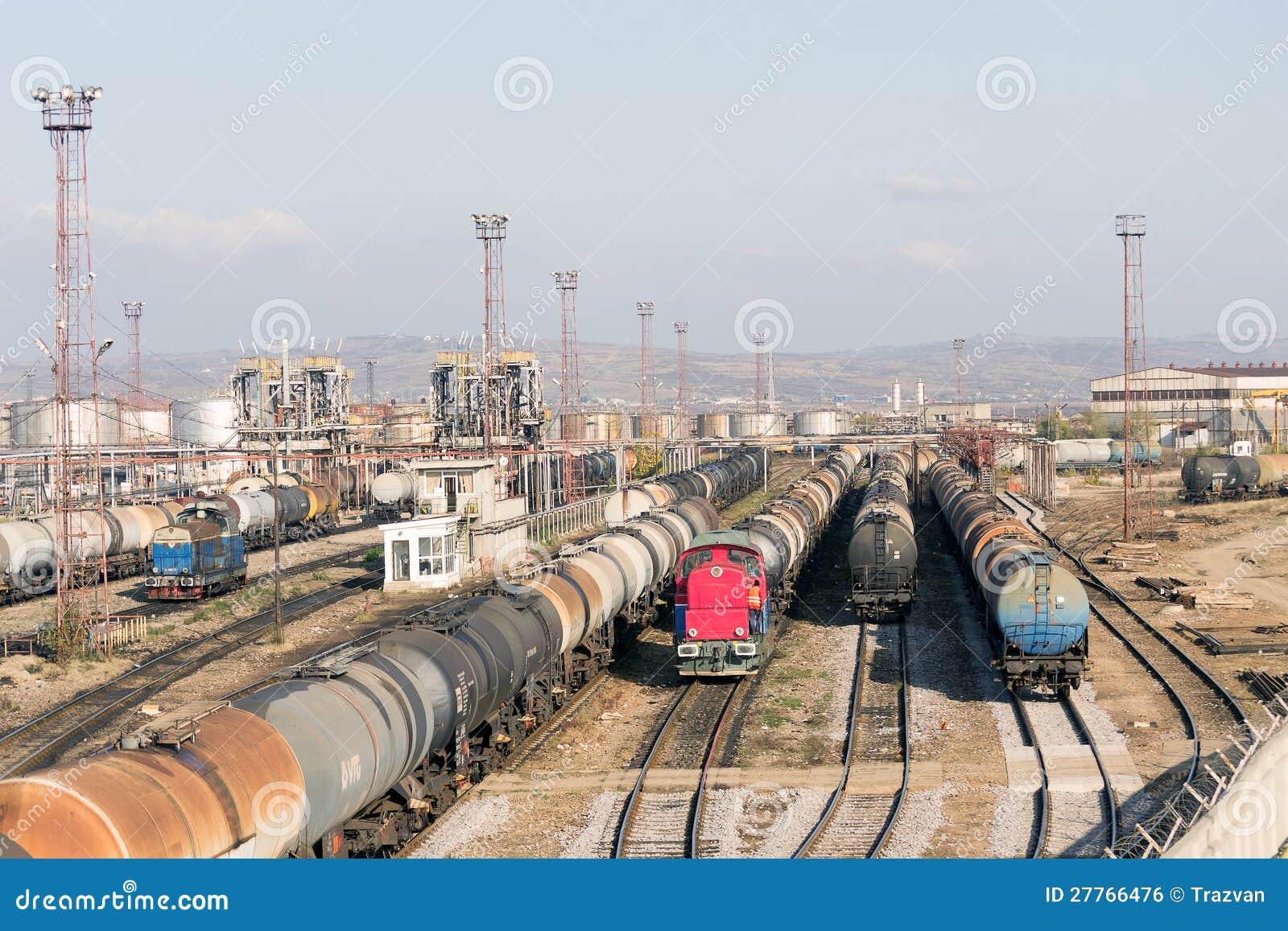 Le pétrole de raffinerie forme la cour de longeron
