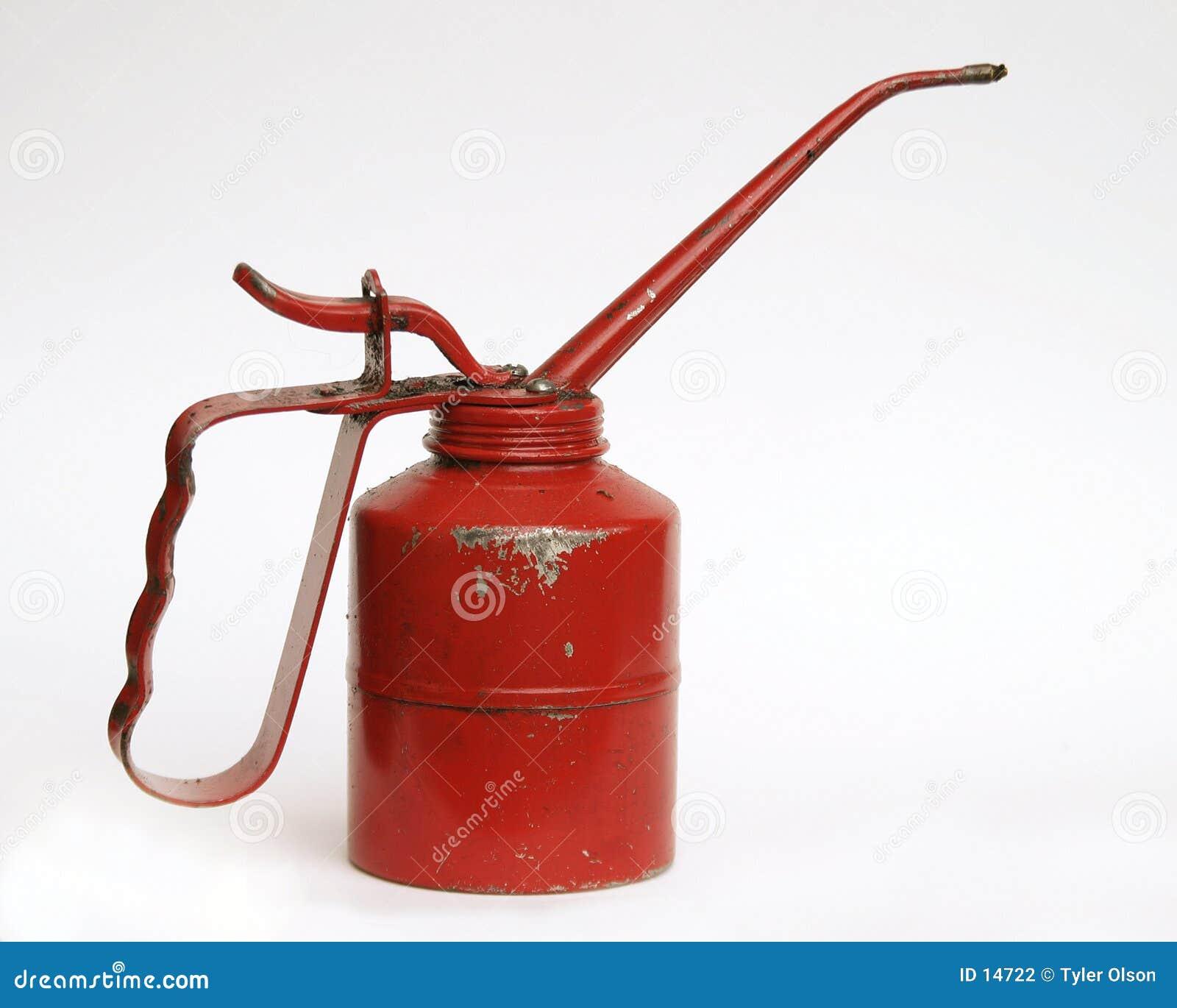 Le pétrole rouge peut d isolement sur le blanc