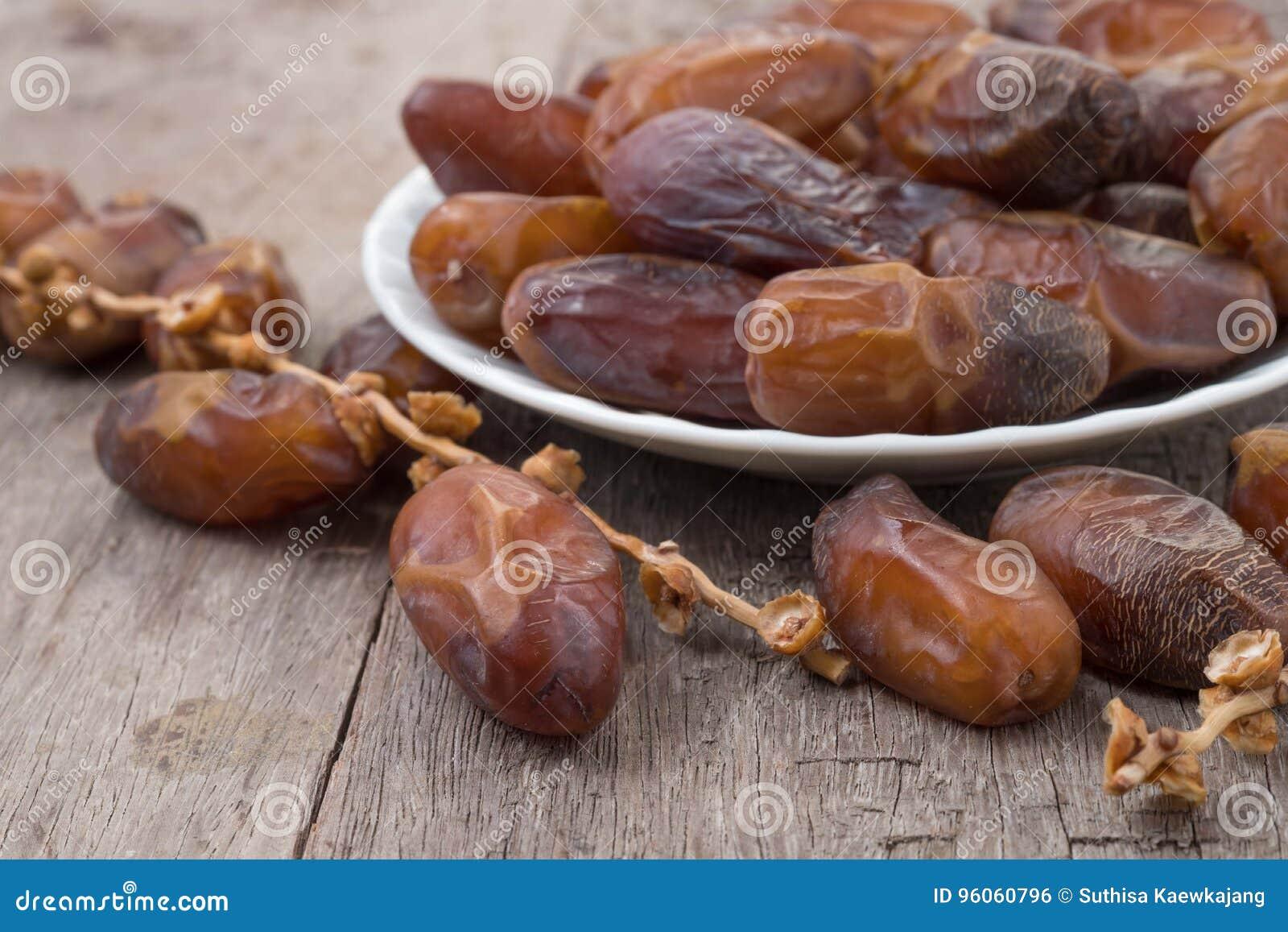 Le palmier dattier porte des fruits ou kurma, kareem de Ramadan