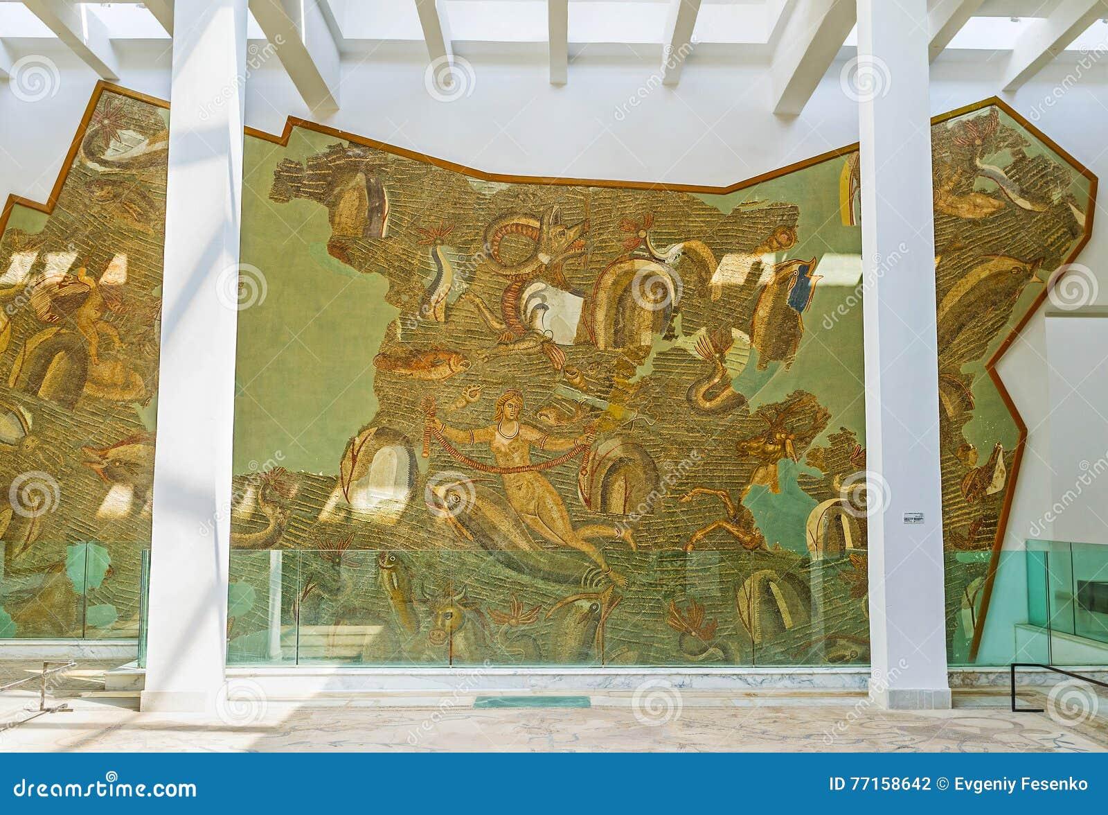 Le panneau de mosaïque sur le mur