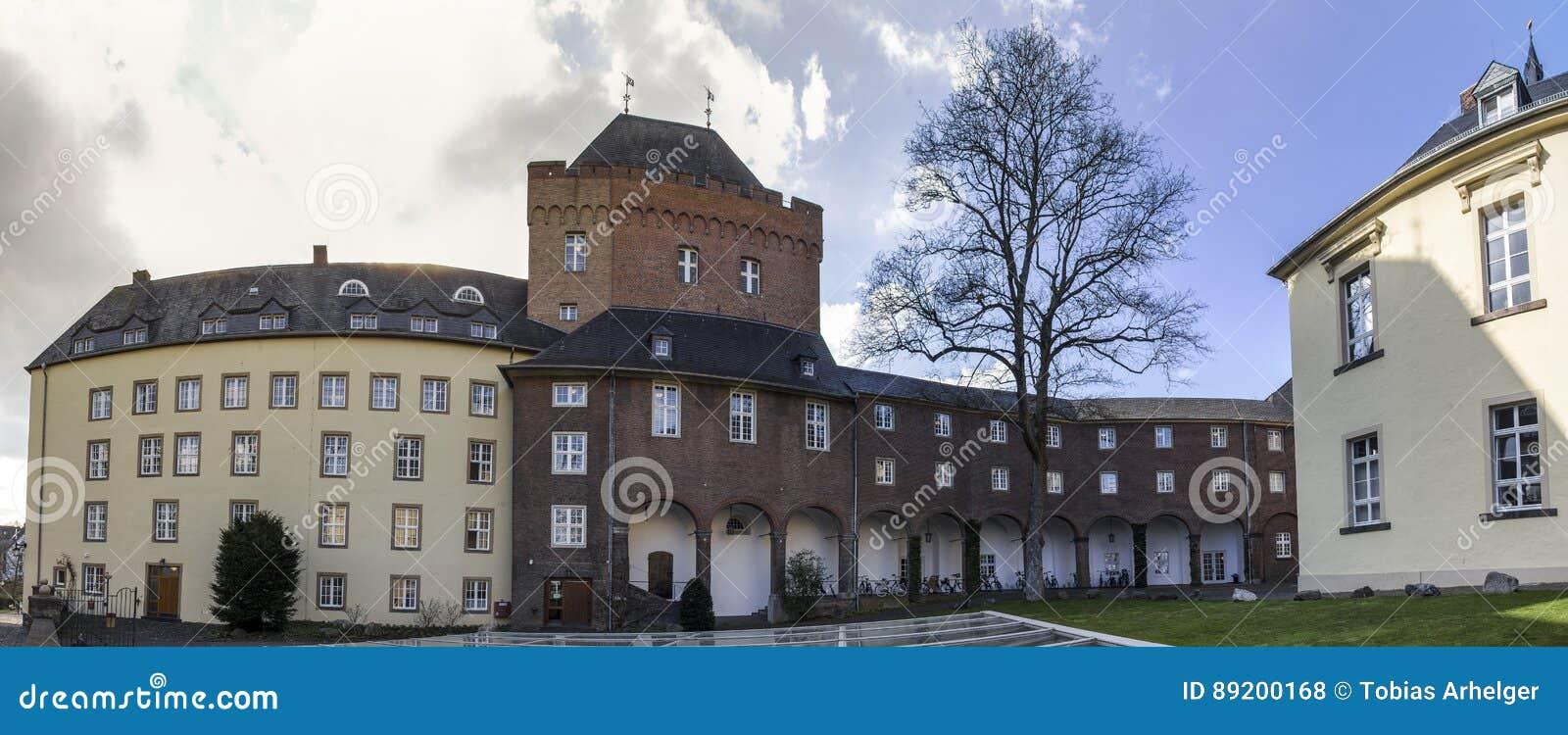 Le panorama élevé de définition de l Allemagne de kleve de château de schwanenburg
