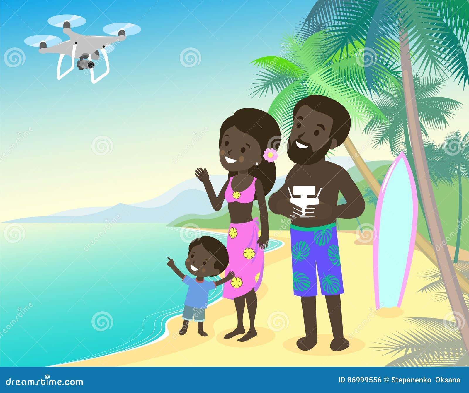 Le papa et les enfants de maman de famille badinent le garçon sur la mer d océan de bord de la mer de vacances avec la peau brune