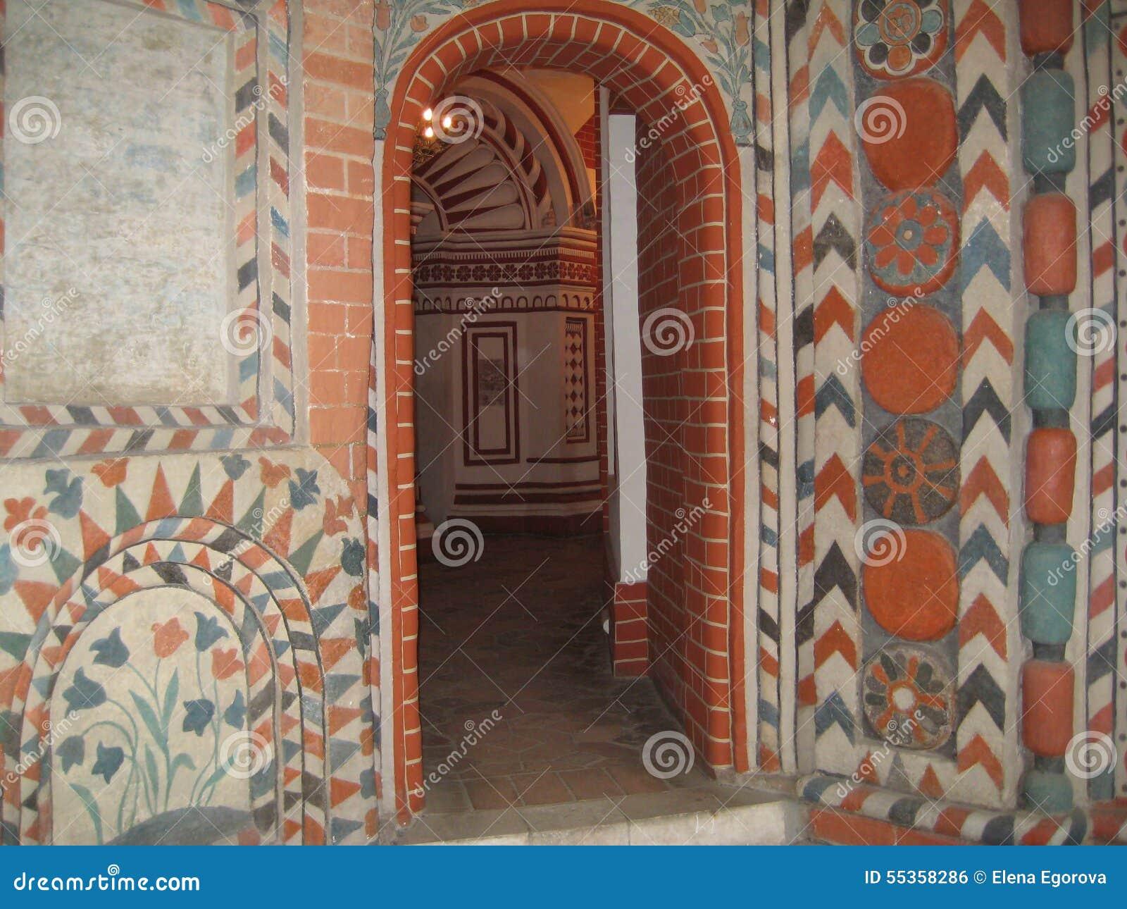 Le pareti dentro la cattedrale russa