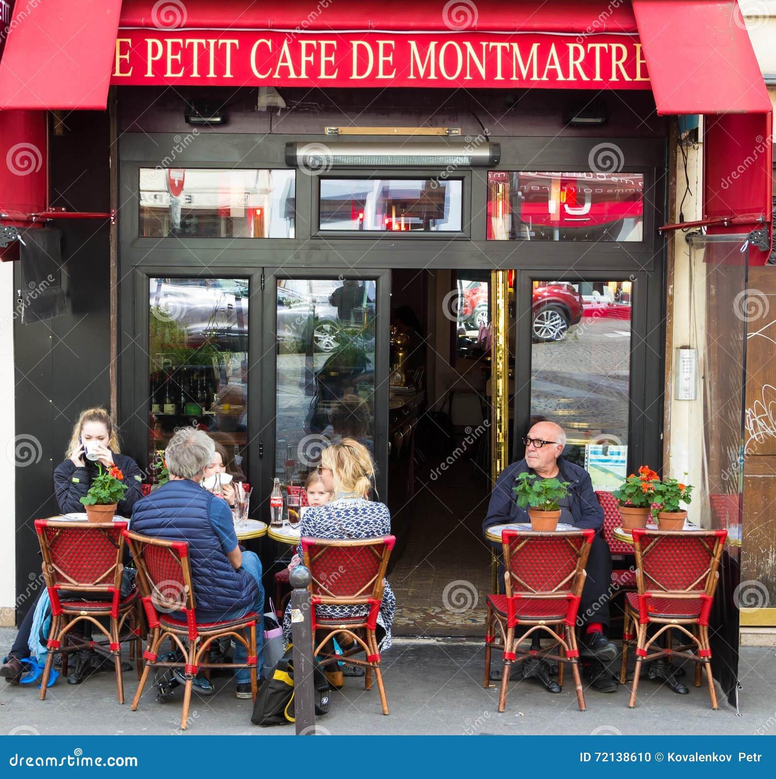 Le petit caf de montmartre paris france image ditorial for Petit restaurant