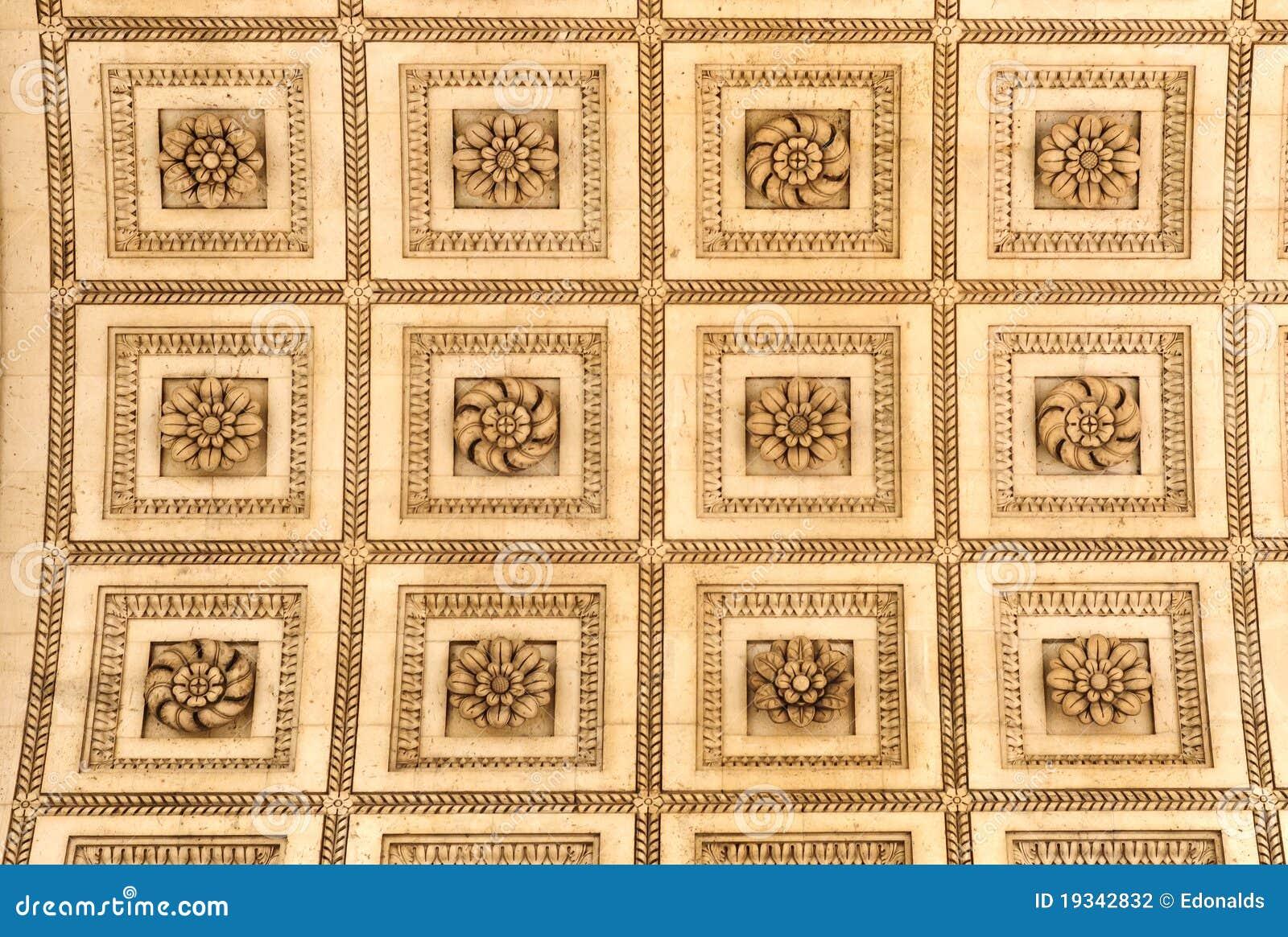 le plafond dans l 39 arc de triomphe paris photo stock image 19342832. Black Bedroom Furniture Sets. Home Design Ideas