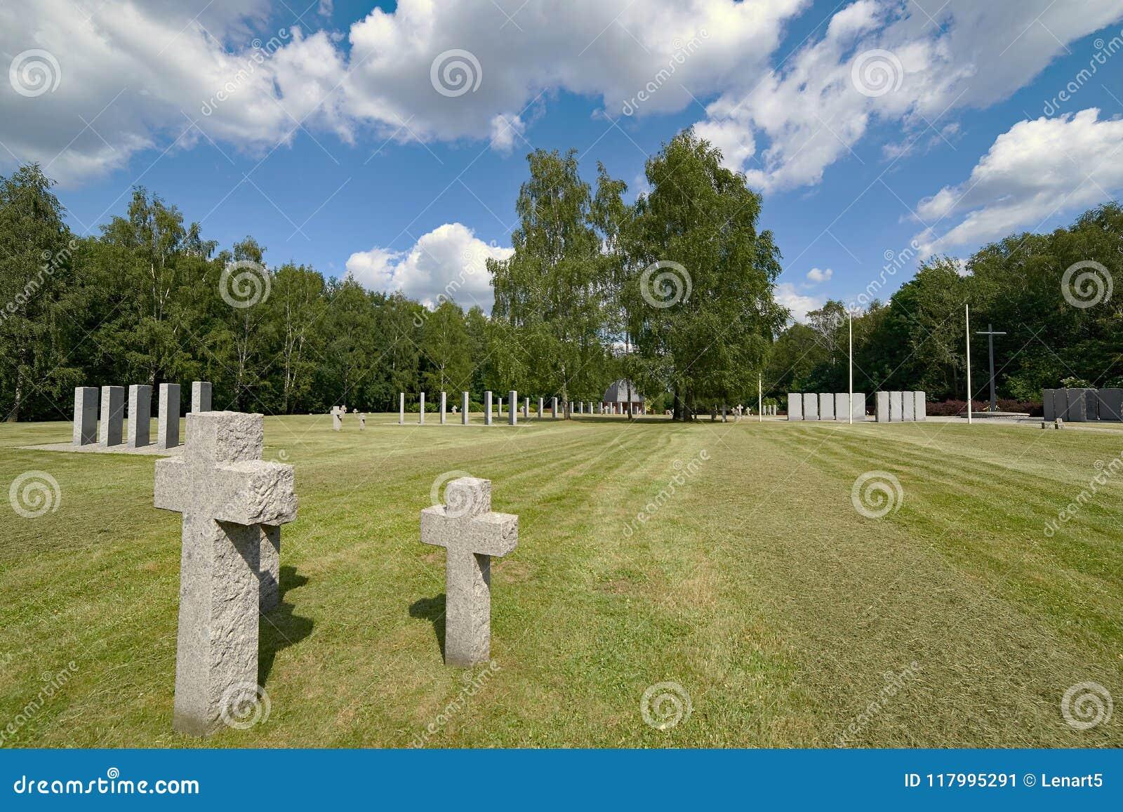 Le plus grand cimetière des soldats allemands en Pologne, skie de Siemianowice ÅšlÄ…