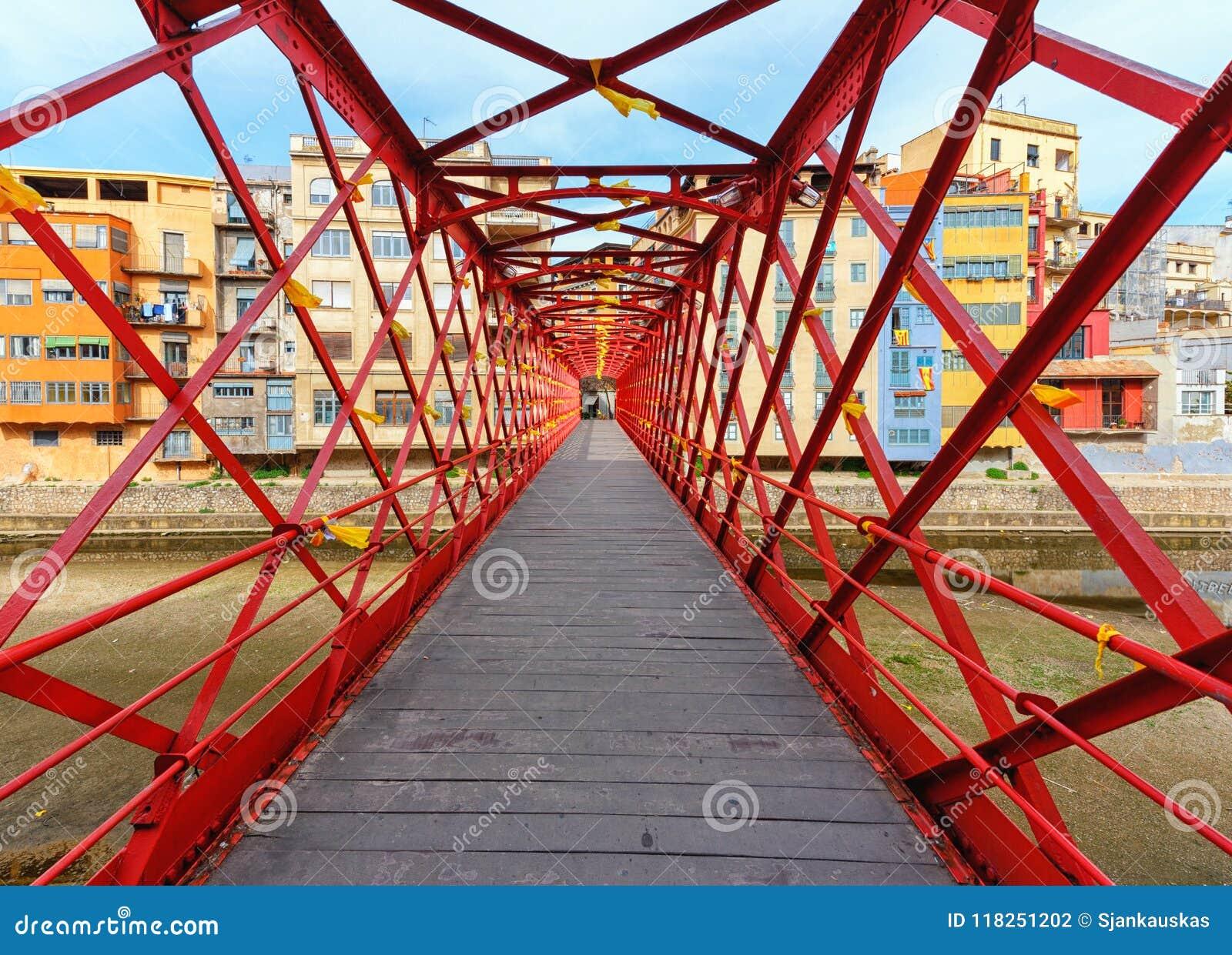 Le pont d Eiffel au-dessus de la rivière d Onyar, Gérone, Catalogne, Espagne