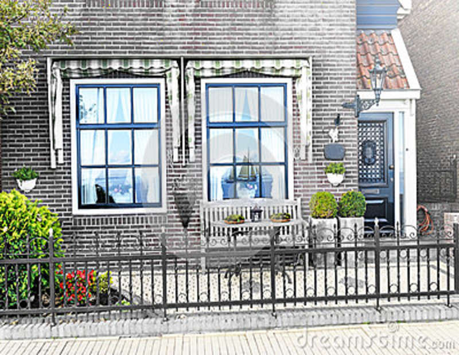 Le Porche D Une Maison le porche d'une maison de campagne photo stock - image du beau, bleu