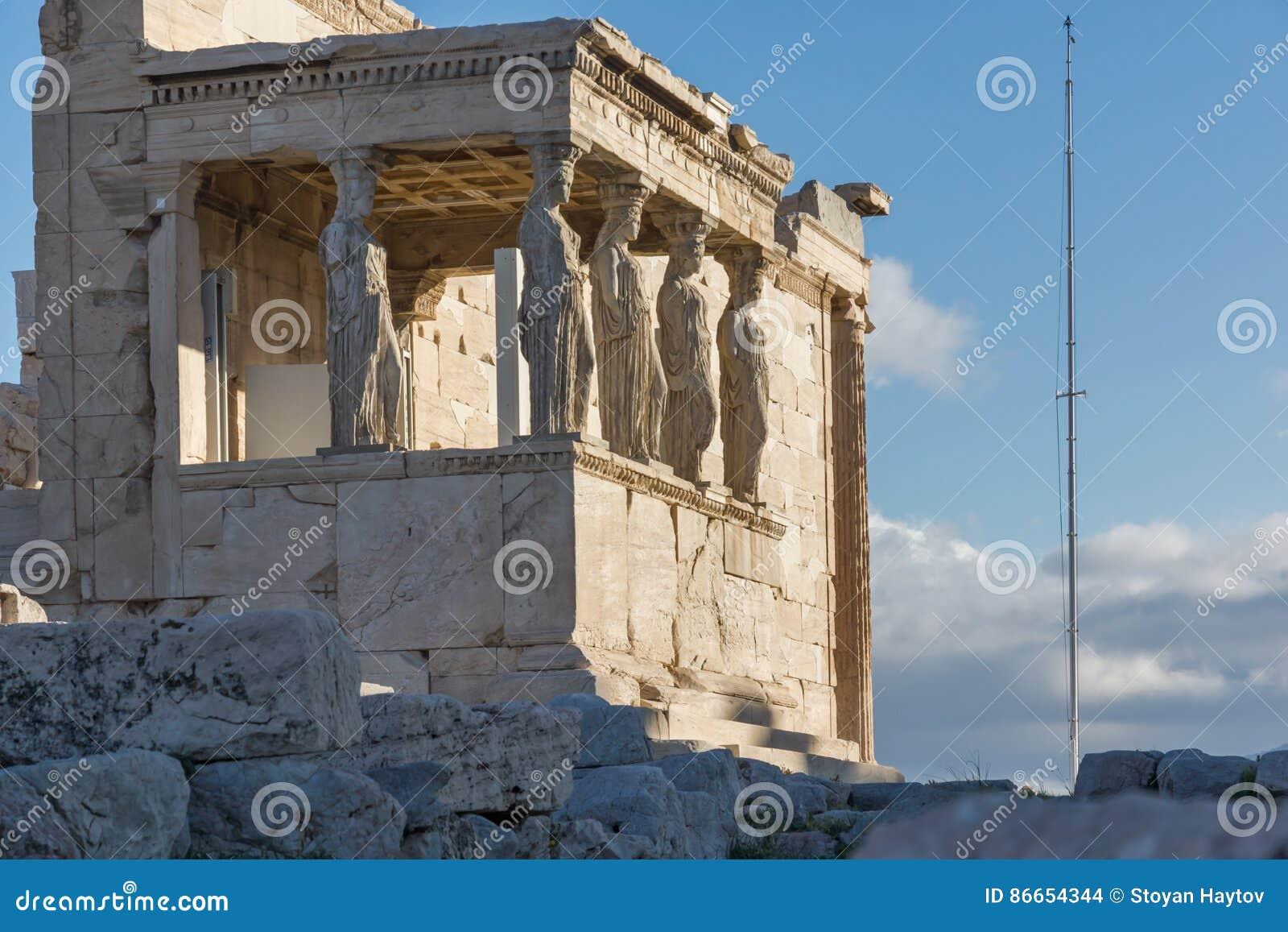 Le porche des cariatides dans l Erechtheion un temple du grec ancien du côté nord de l Acropole d Athènes, Grèce