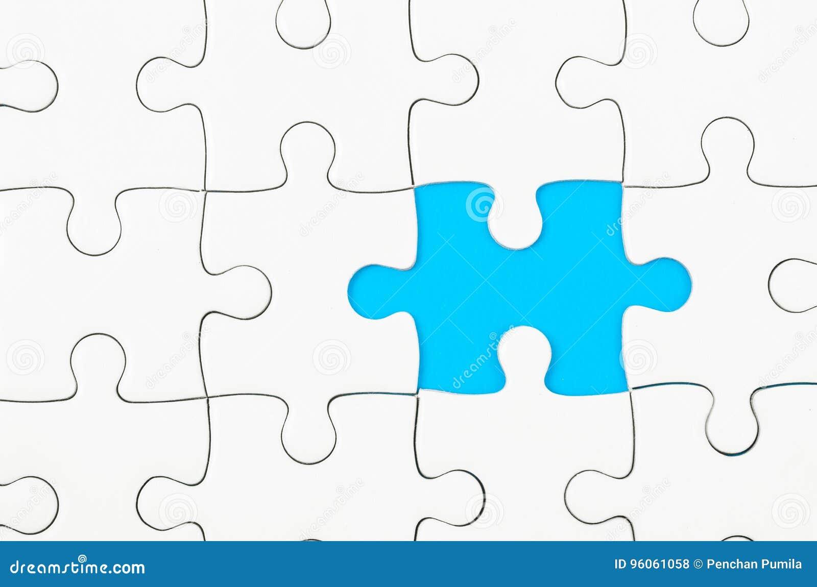 Le puzzle denteux blanc