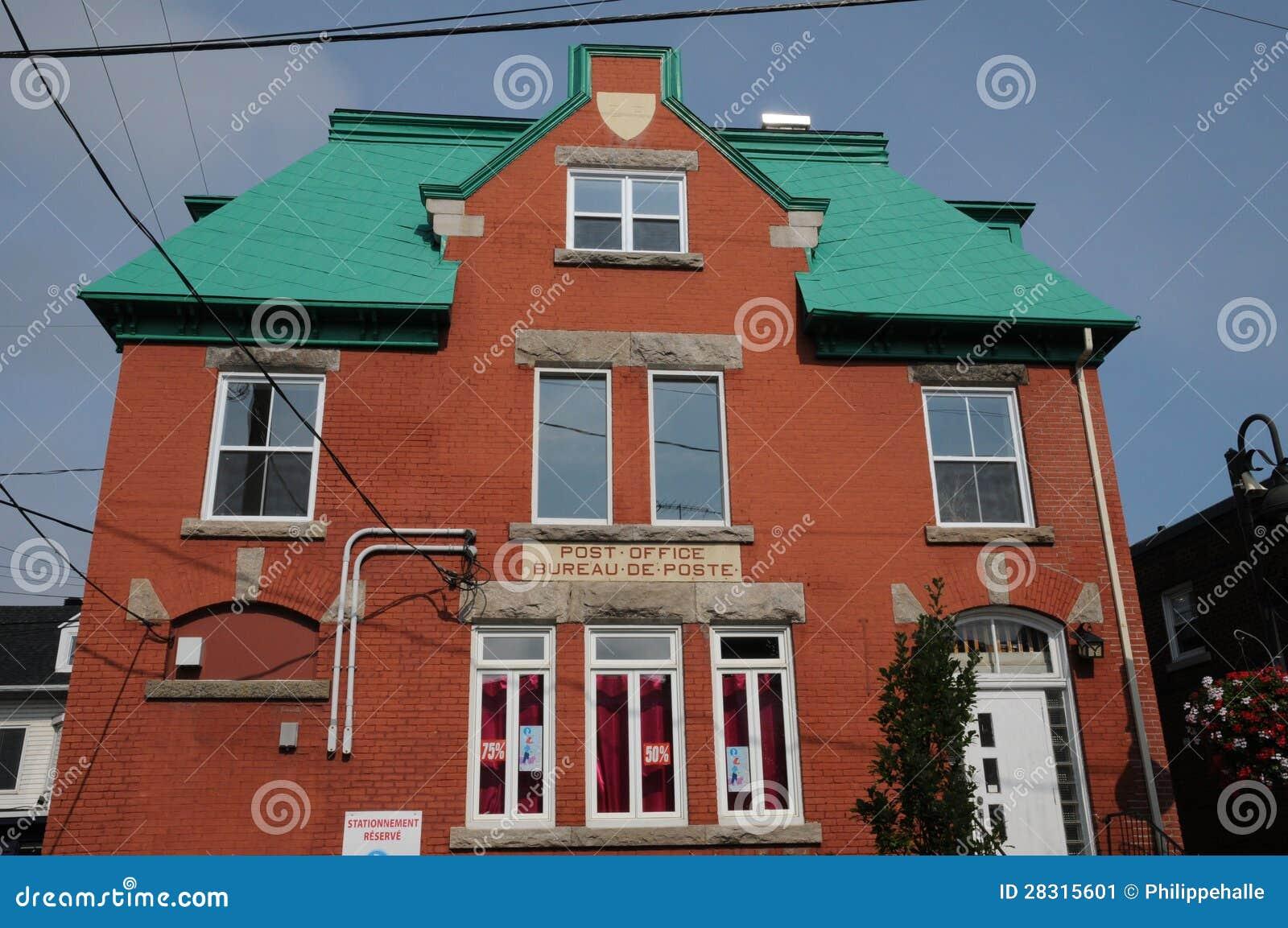 Le québec bureau de poste dans la ville de montmagny image stock