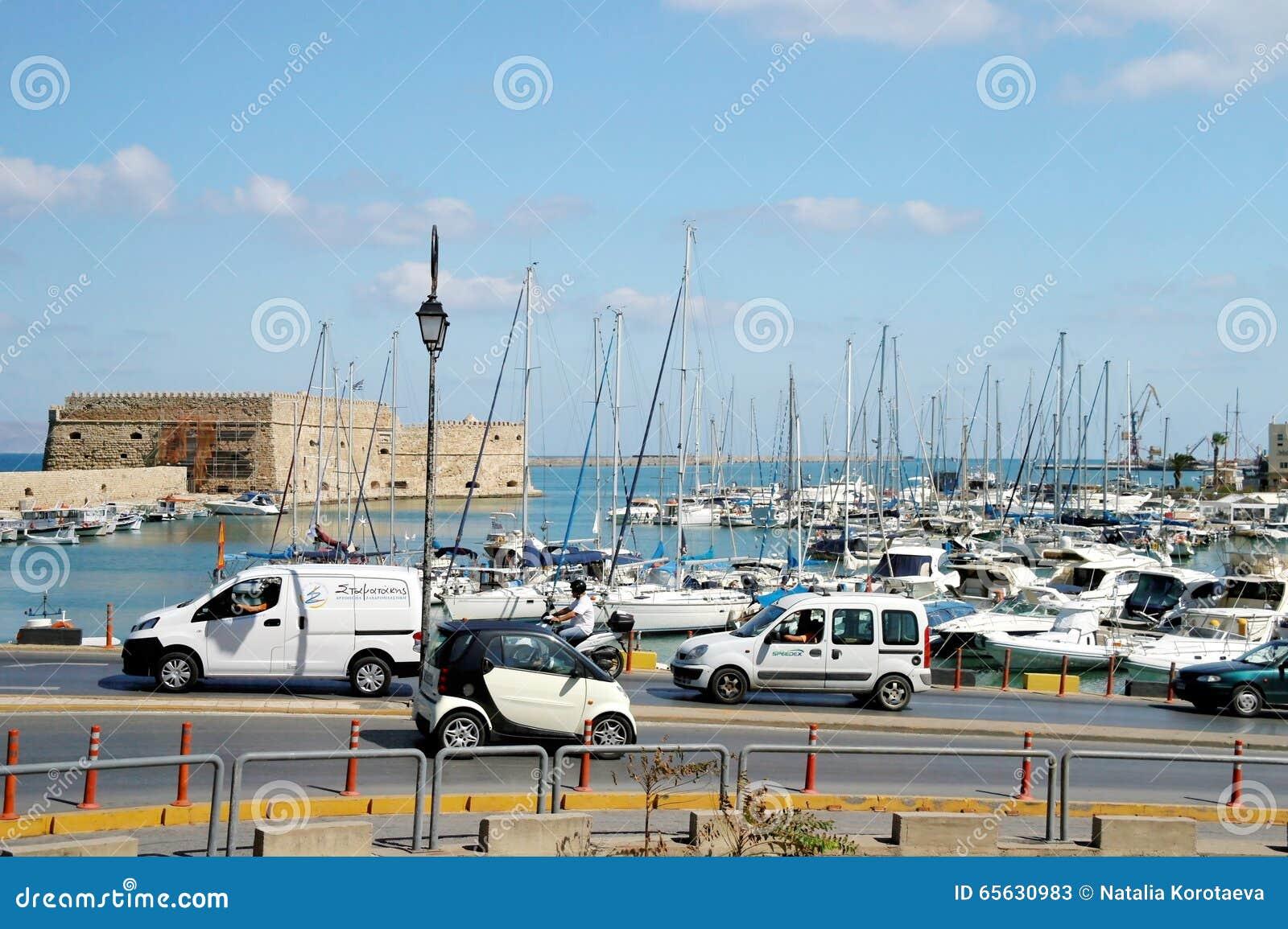 Le quai de Héraklion, Grèce