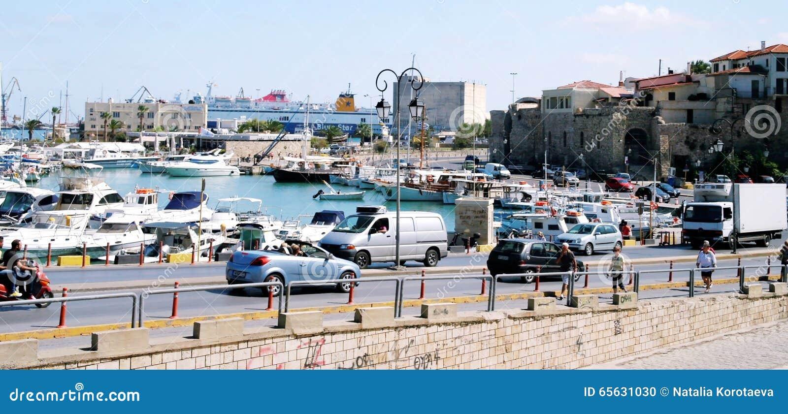 Le quai de Héraklion, Grèce crète