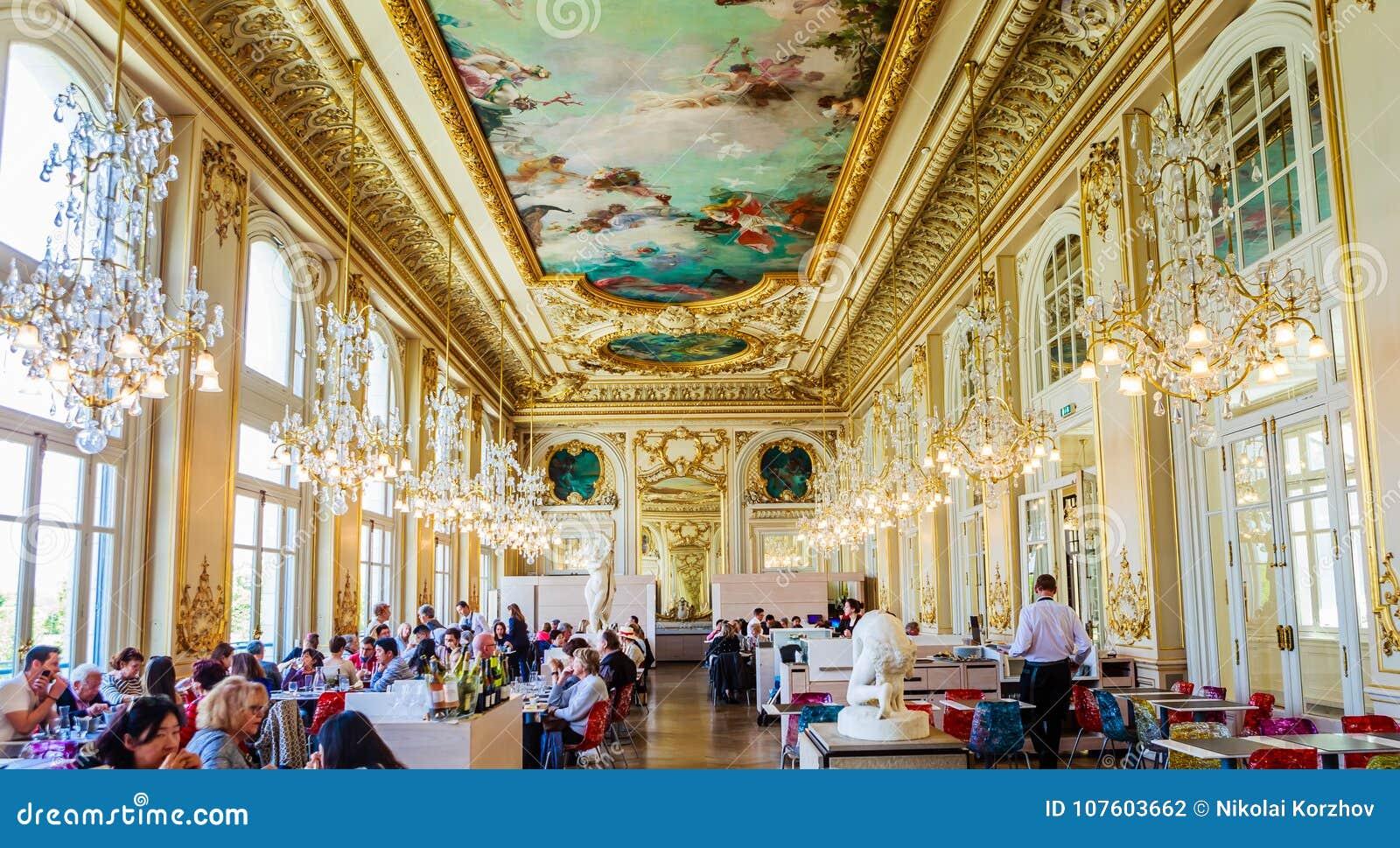 Le Restaurant Avec La Belle Décoration à L\'intérieur Du ` Du Musee D ...