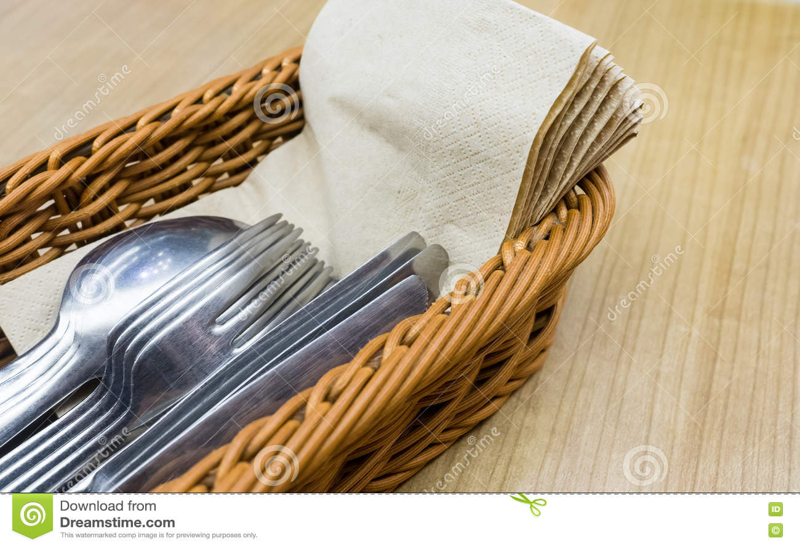 Le restaurant Brown réutilisent le papier de soie de soie