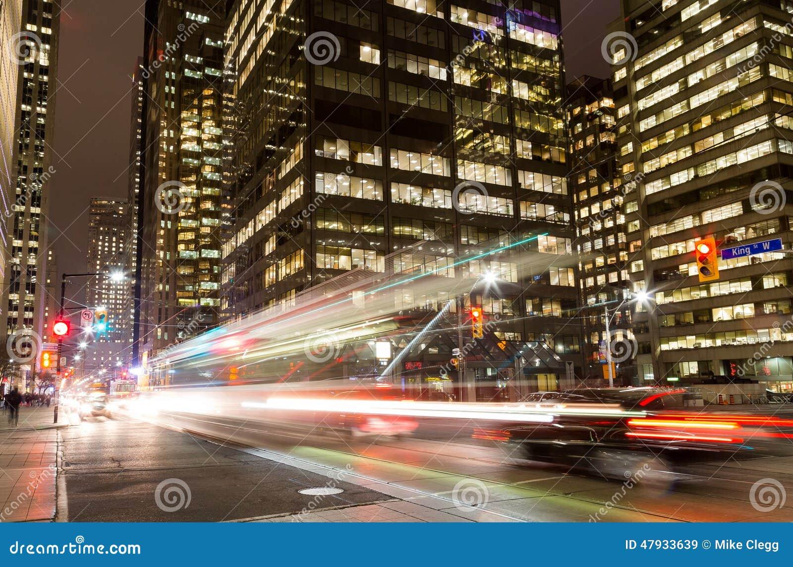 Le Roi Street Toronto la nuit