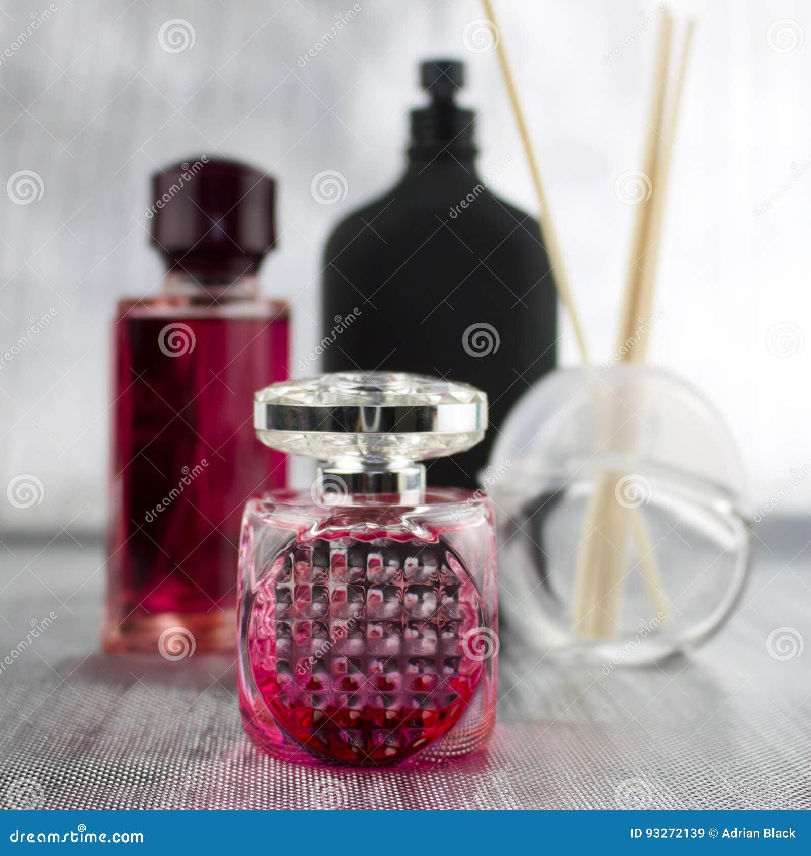 Le rose parfume la composition