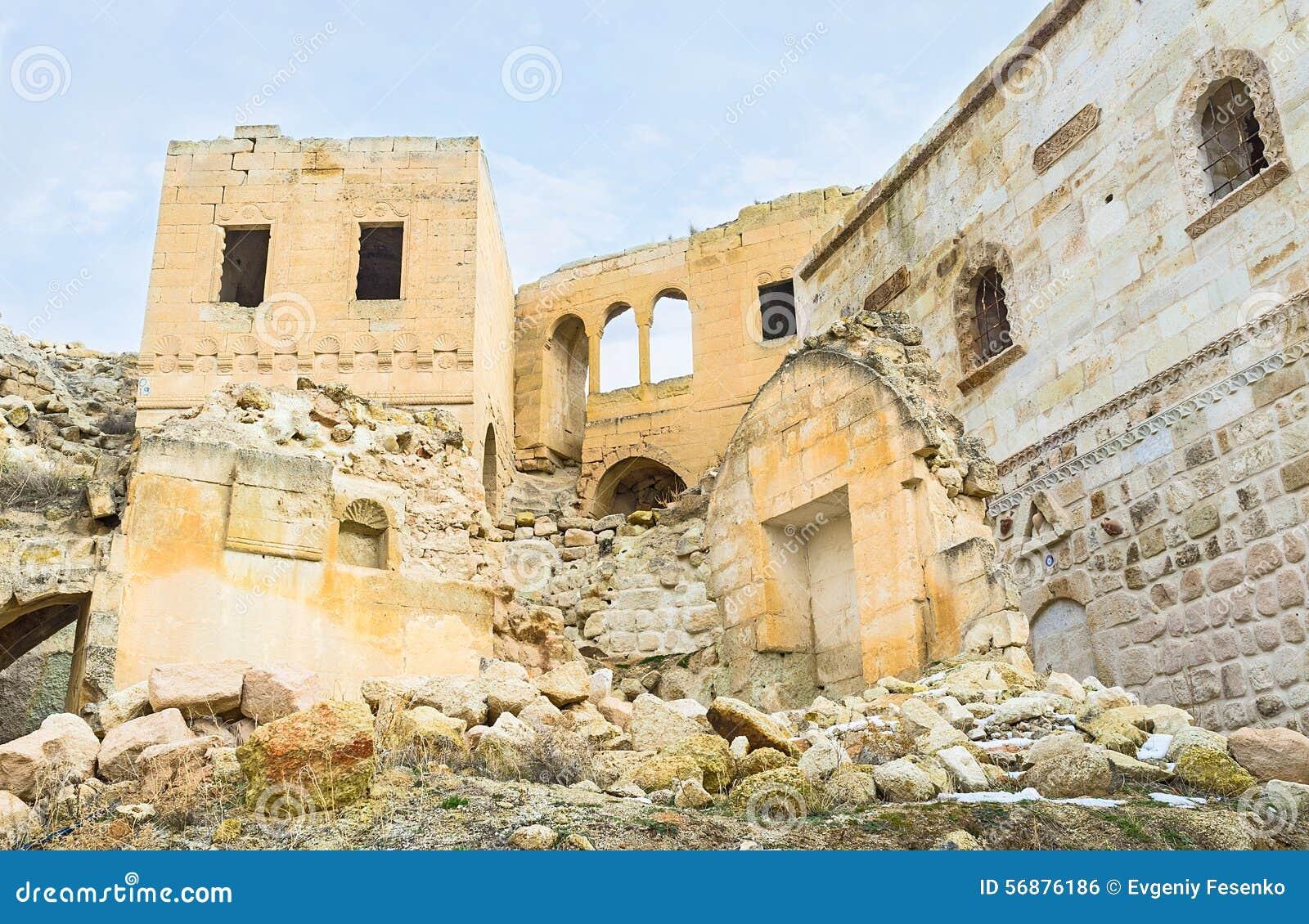 Le rovine in roccia
