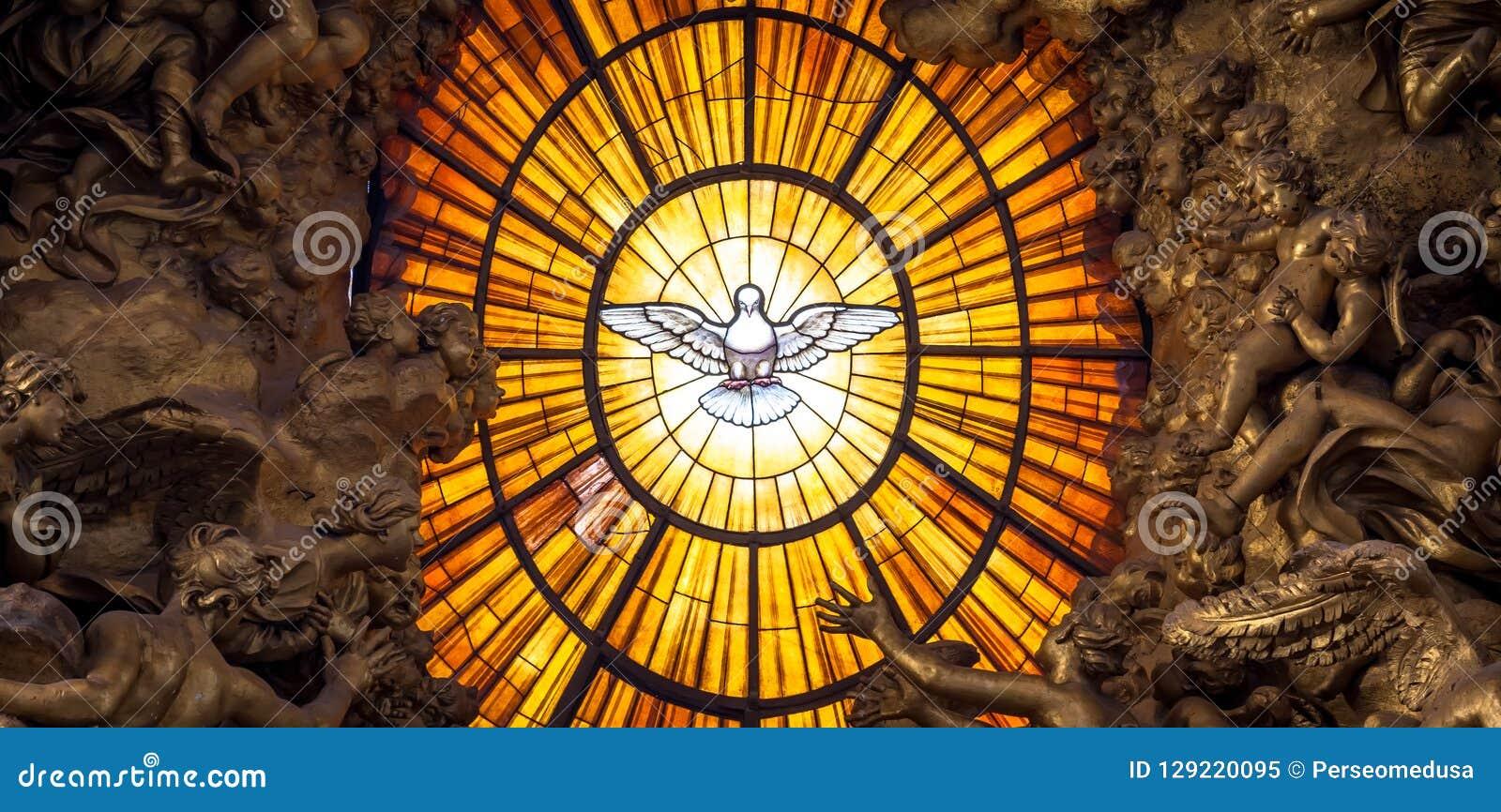 Le Saint-Esprit de Bernini de trône a plongé, basilique du ` s de St Peter à Rome