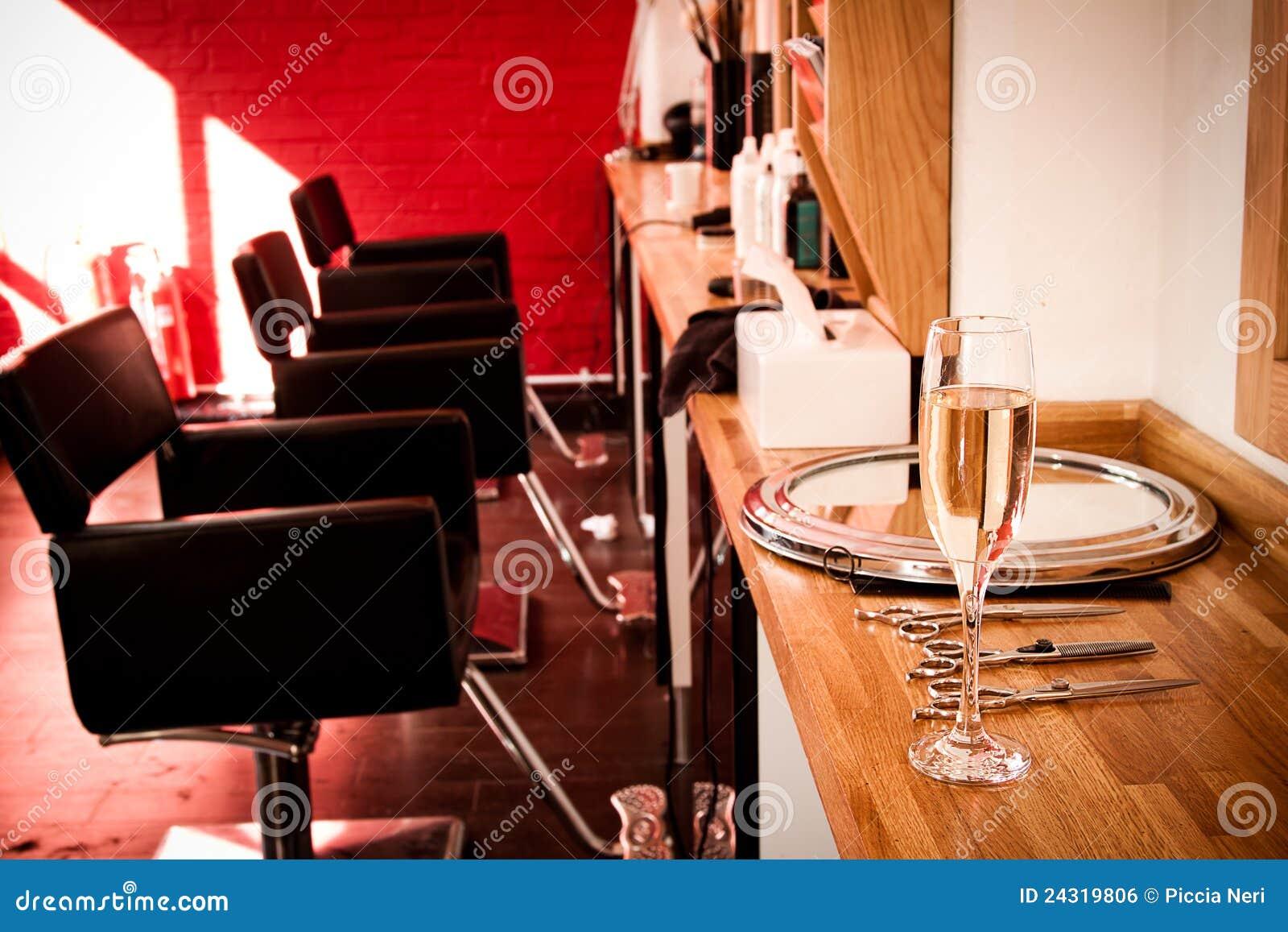 le salon du coiffeur photo stock image du coiffeur ciseaux 24319806. Black Bedroom Furniture Sets. Home Design Ideas