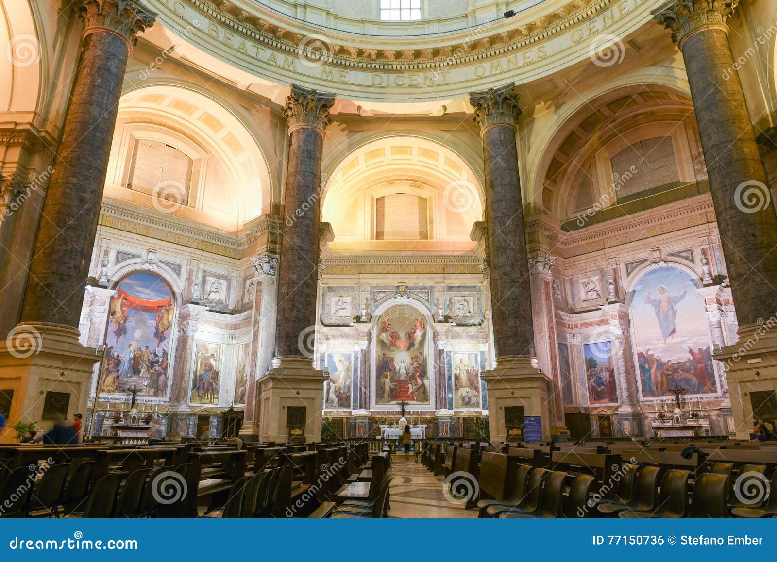 Le sanctuaire d Oropa sur l Italie, héritage de l UNESCO