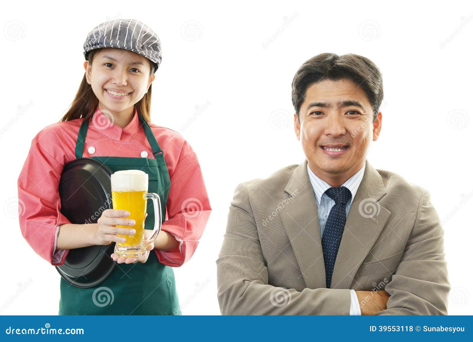 Le servitrins och kunden
