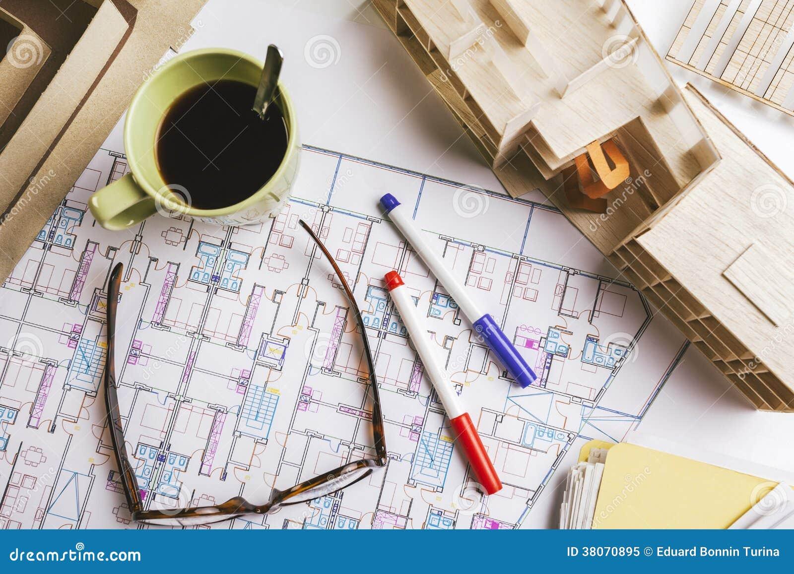 Le spese generali del modello della costruzione e gli for Software di progettazione di costruzione di case gratuito