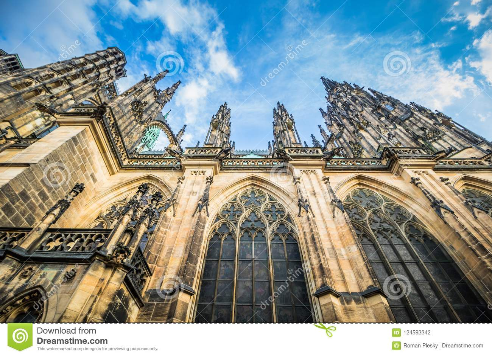 Le St Vitus Cathedral sur le château de Prague en été, République Tchèque