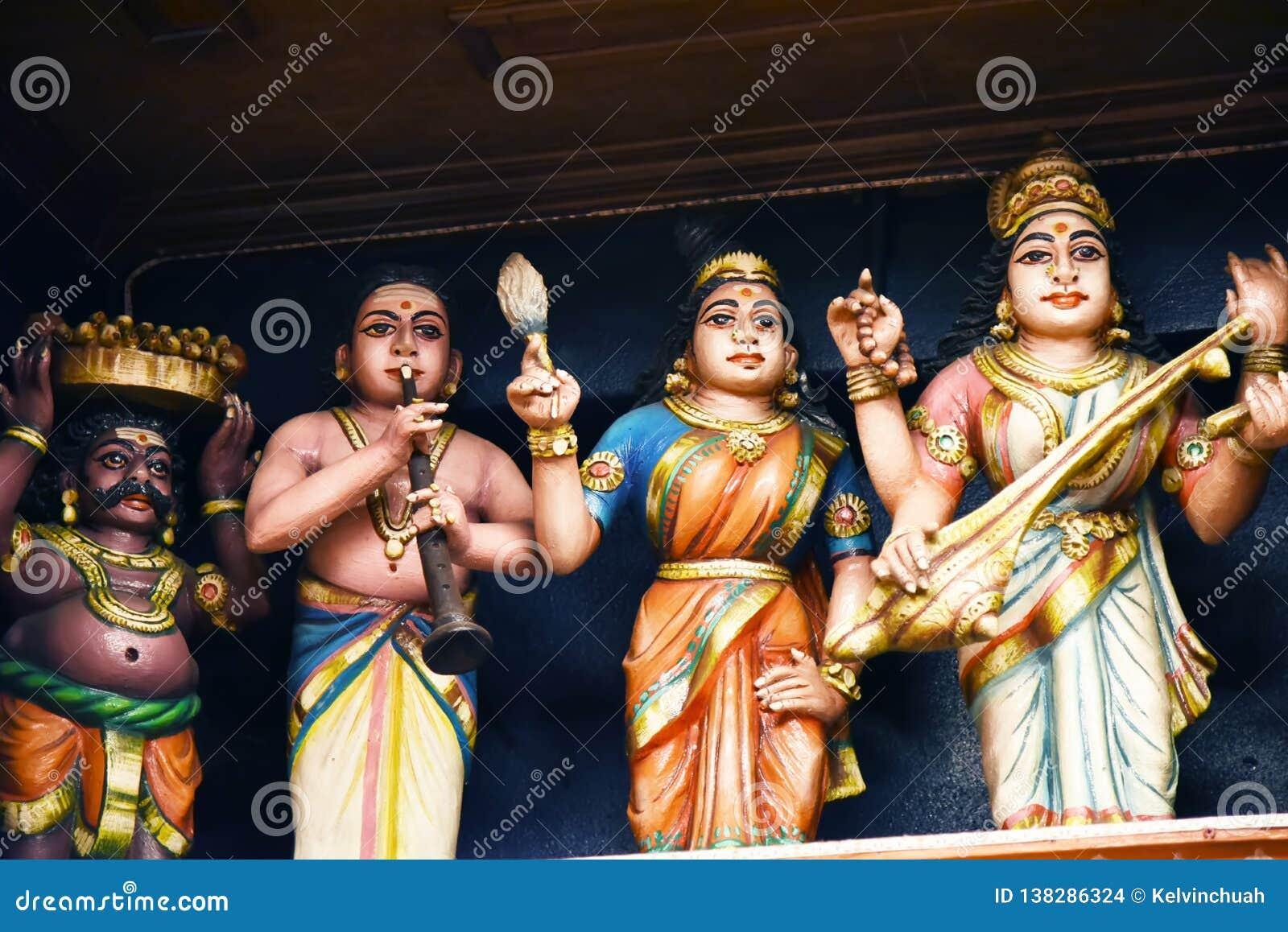 Le statue indù a Batu scava Kuala Lumpur Malesia