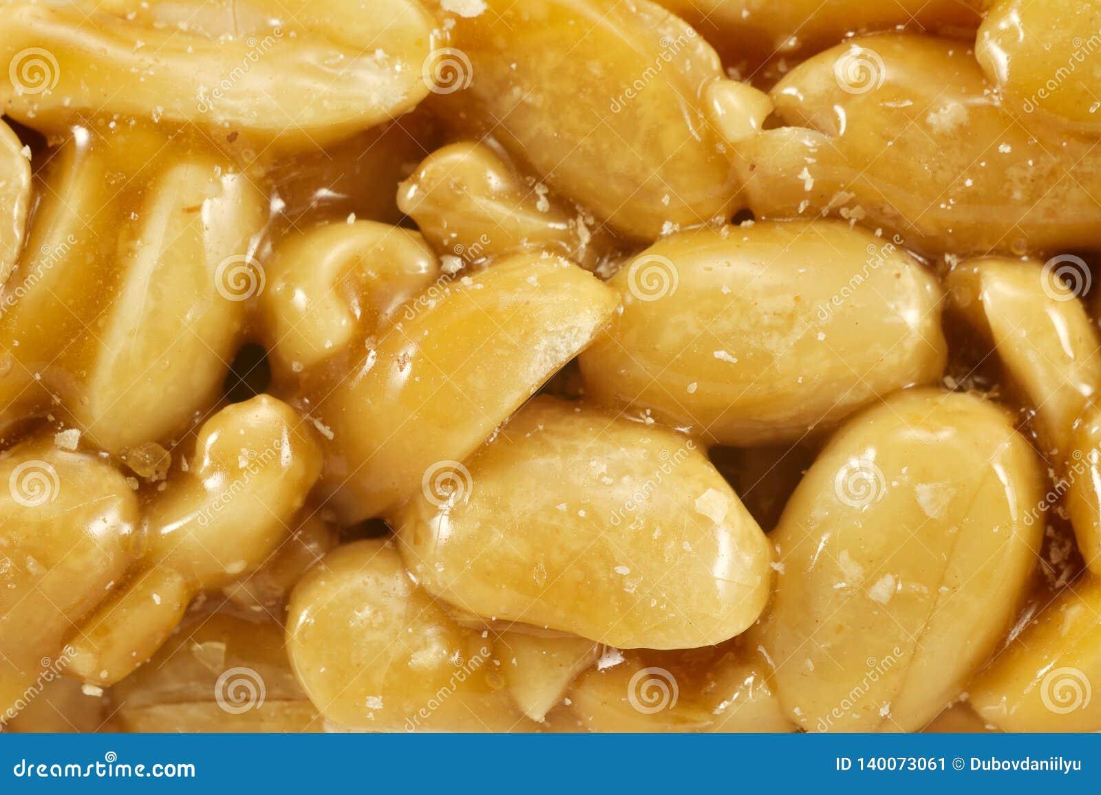 Le sucre a glacé le kozinak, arachides