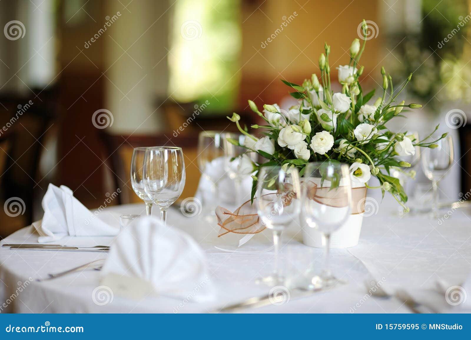 le tableau a plac pour une r ception ou un mariage d 39 v nement image stock image 15759595. Black Bedroom Furniture Sets. Home Design Ideas