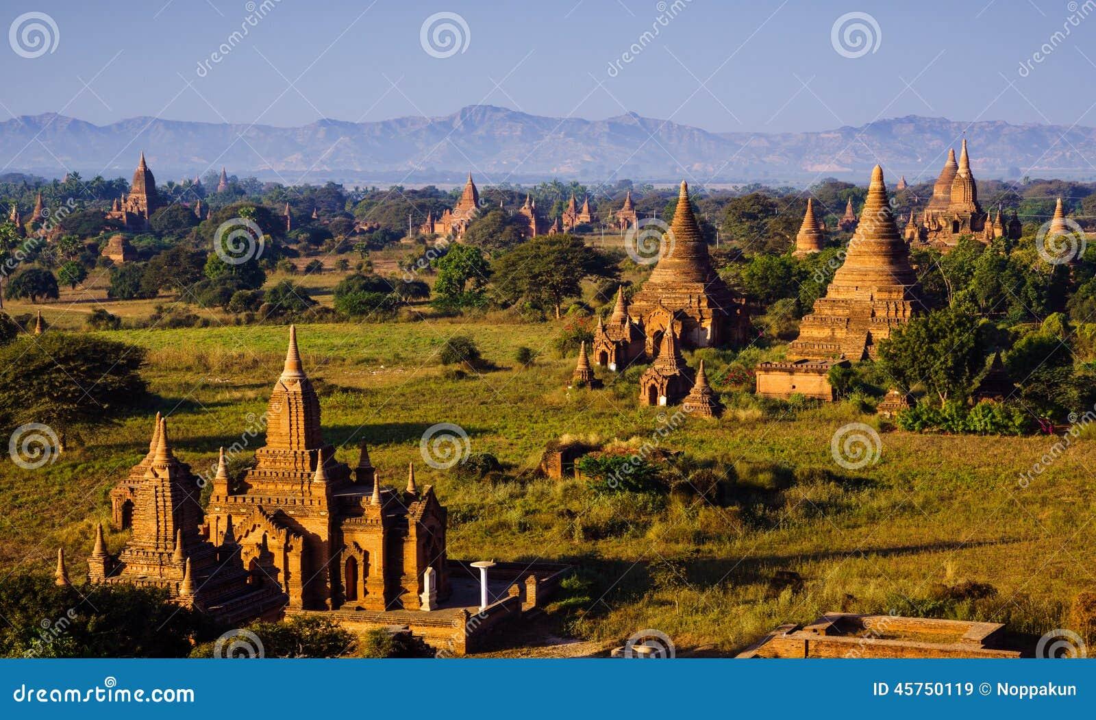 Le tempie di bagan ad alba, Bagan, Myanmar