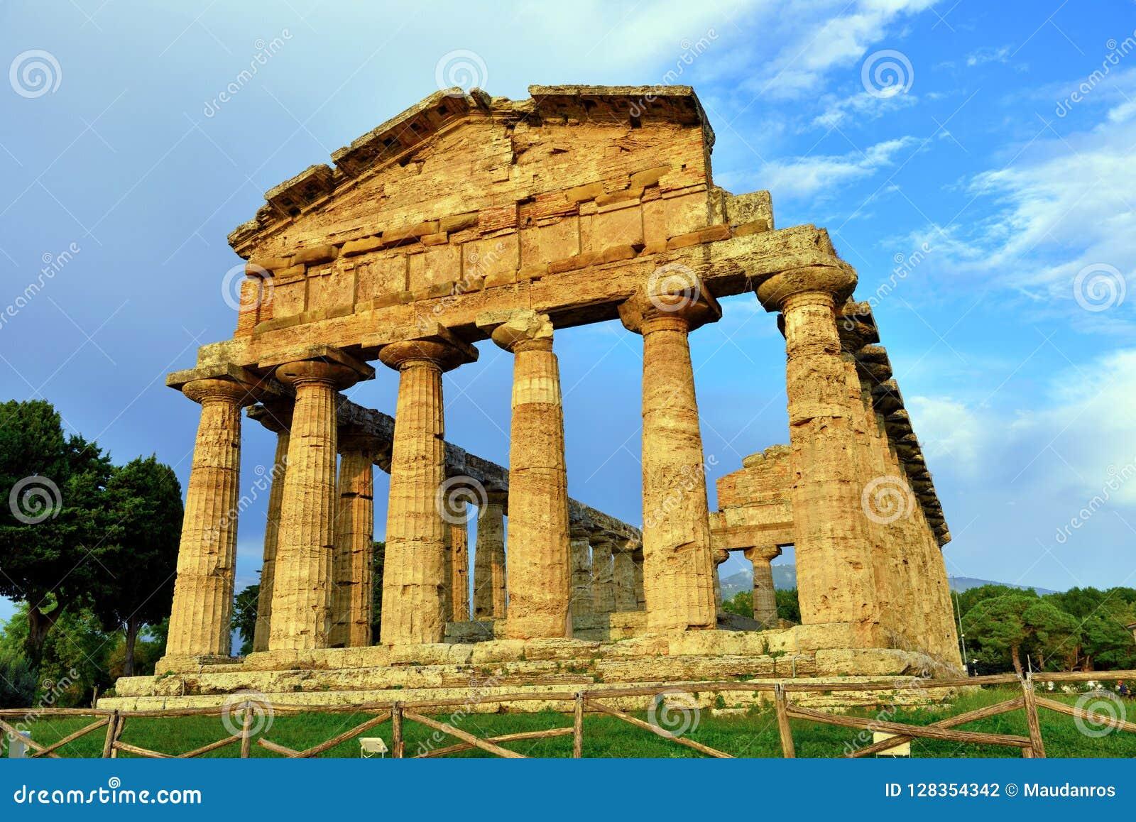 Le temple d Athena Paestum Italy