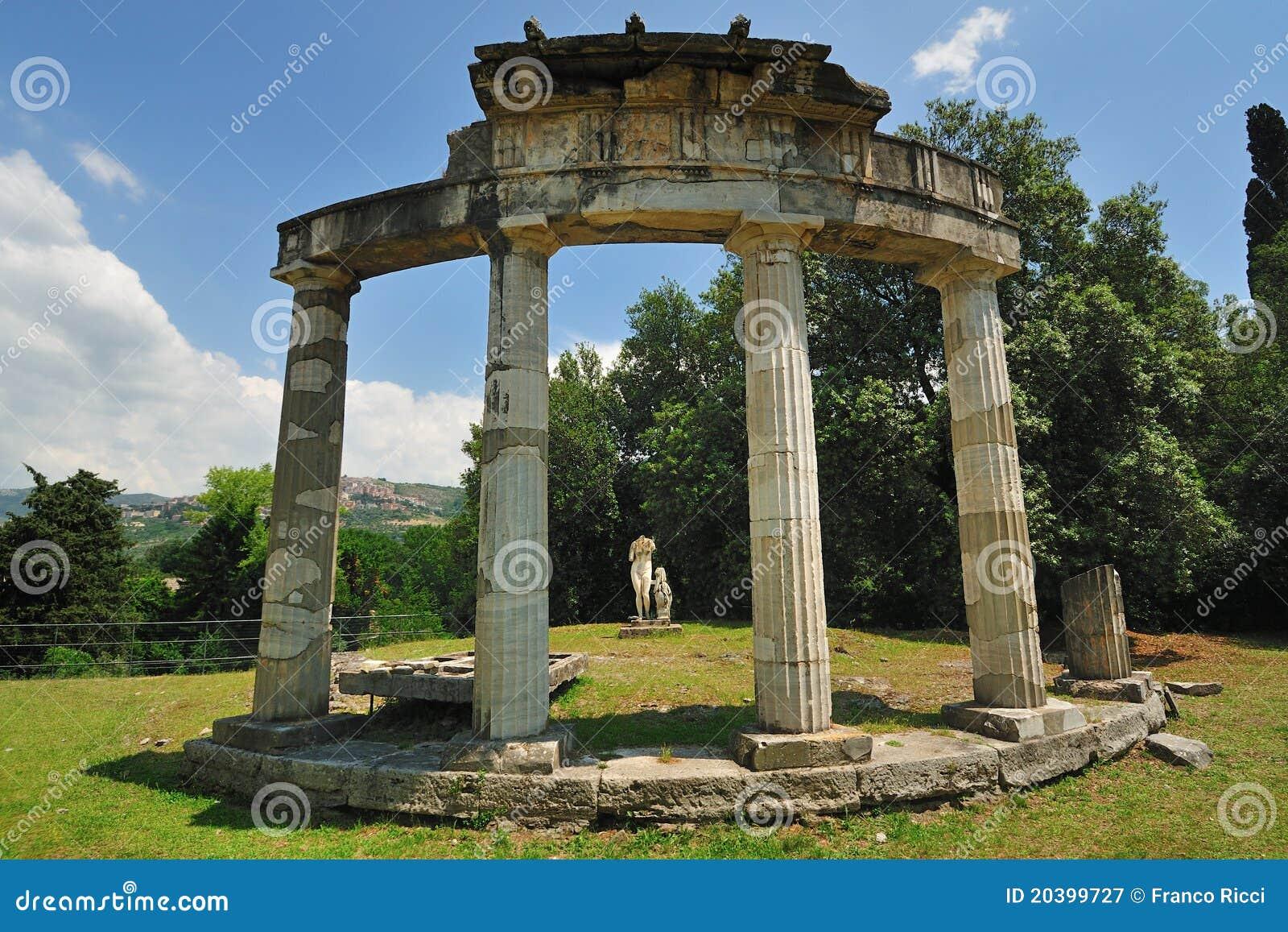 Le temple de Venus en villa de Hadrian, Tivoli - Rome