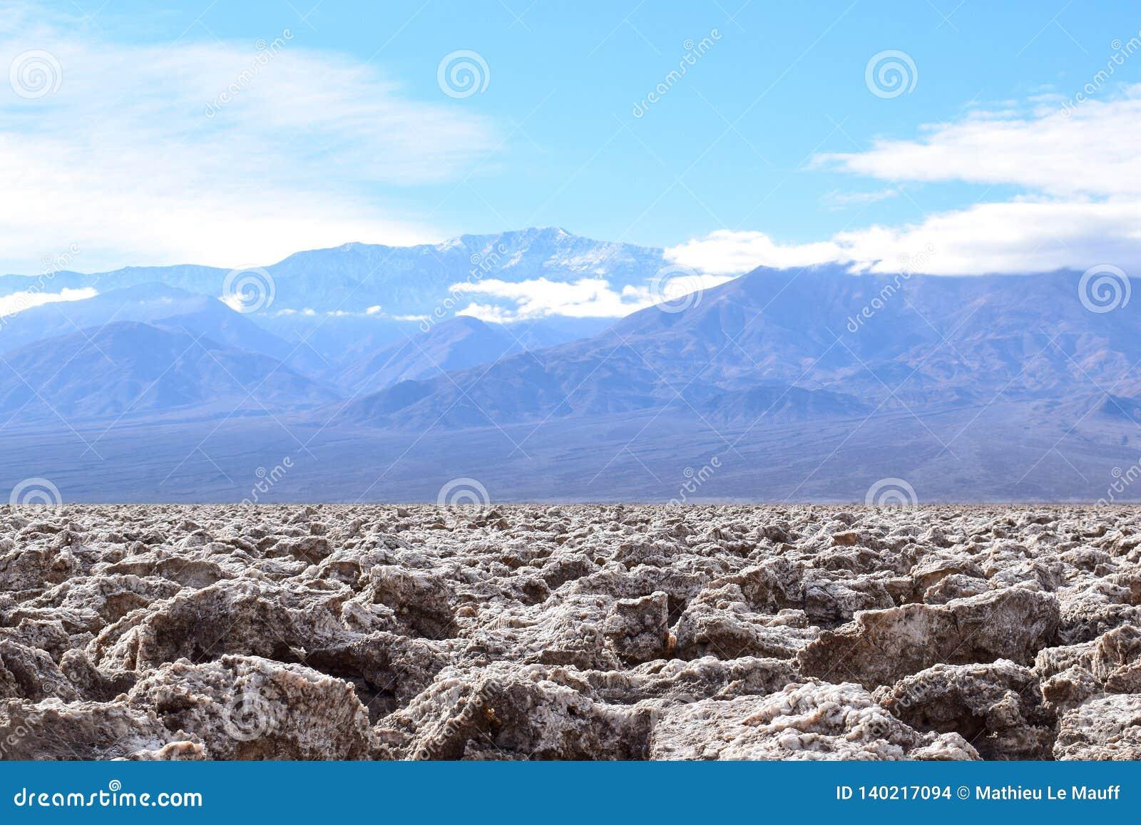 Le terrain de golf du diable dans le Death Valley