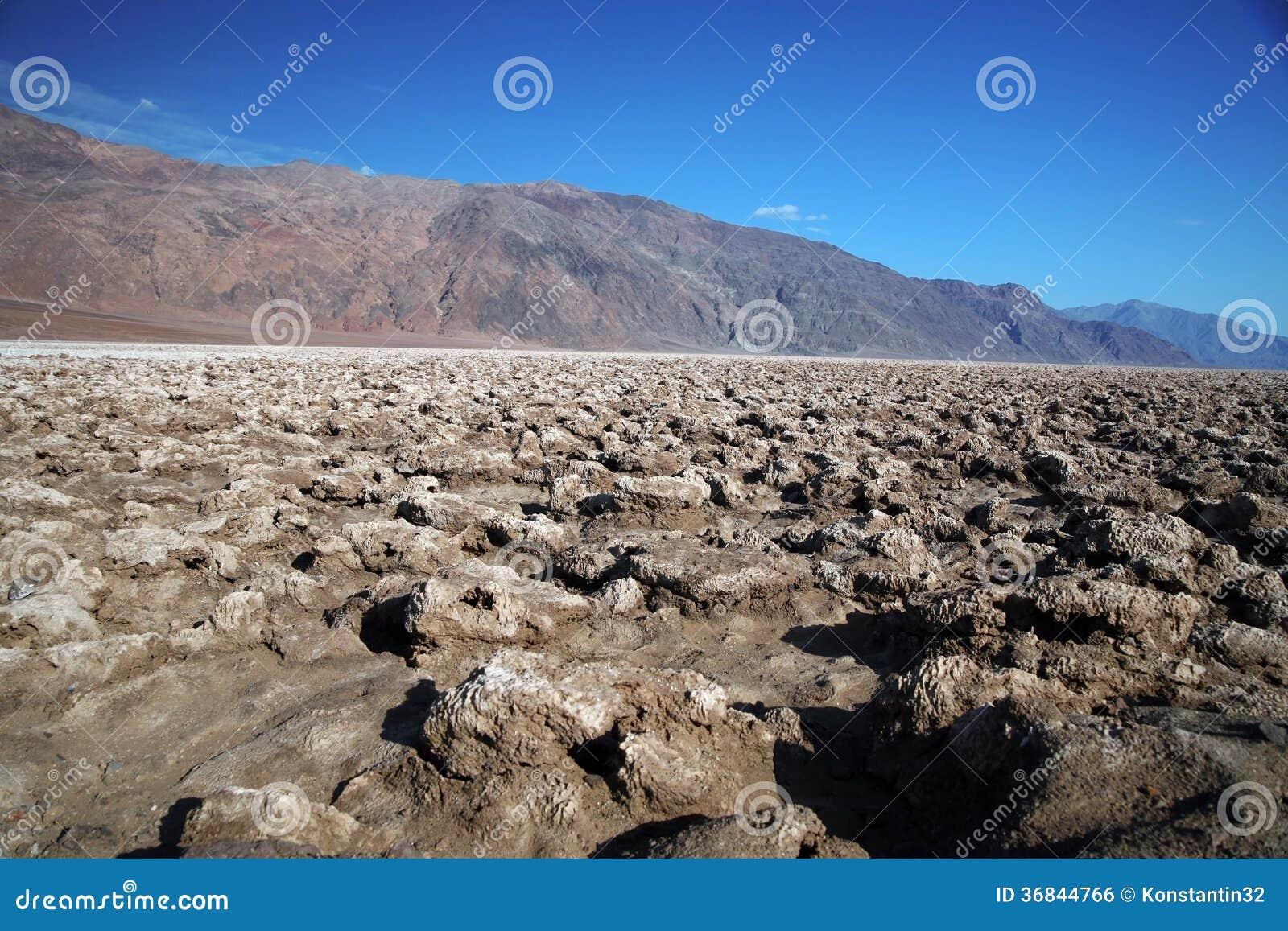 Le terrain de golf du diable, parc national de Death Valley, la Californie, Etats-Unis
