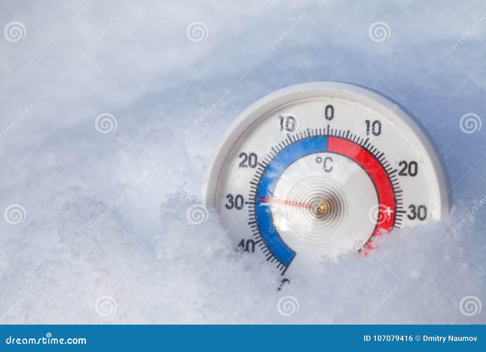 Le thermomètre neigé montre sans 29 WI extrêmes de froid de degré Celsius